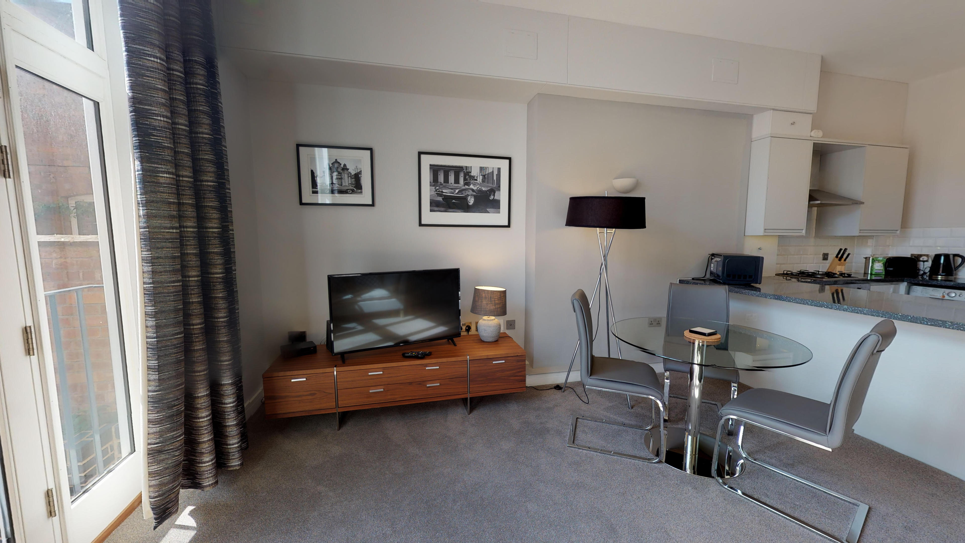 Leamington Spa Serviced Apartments Dunara Beauchamp Dining