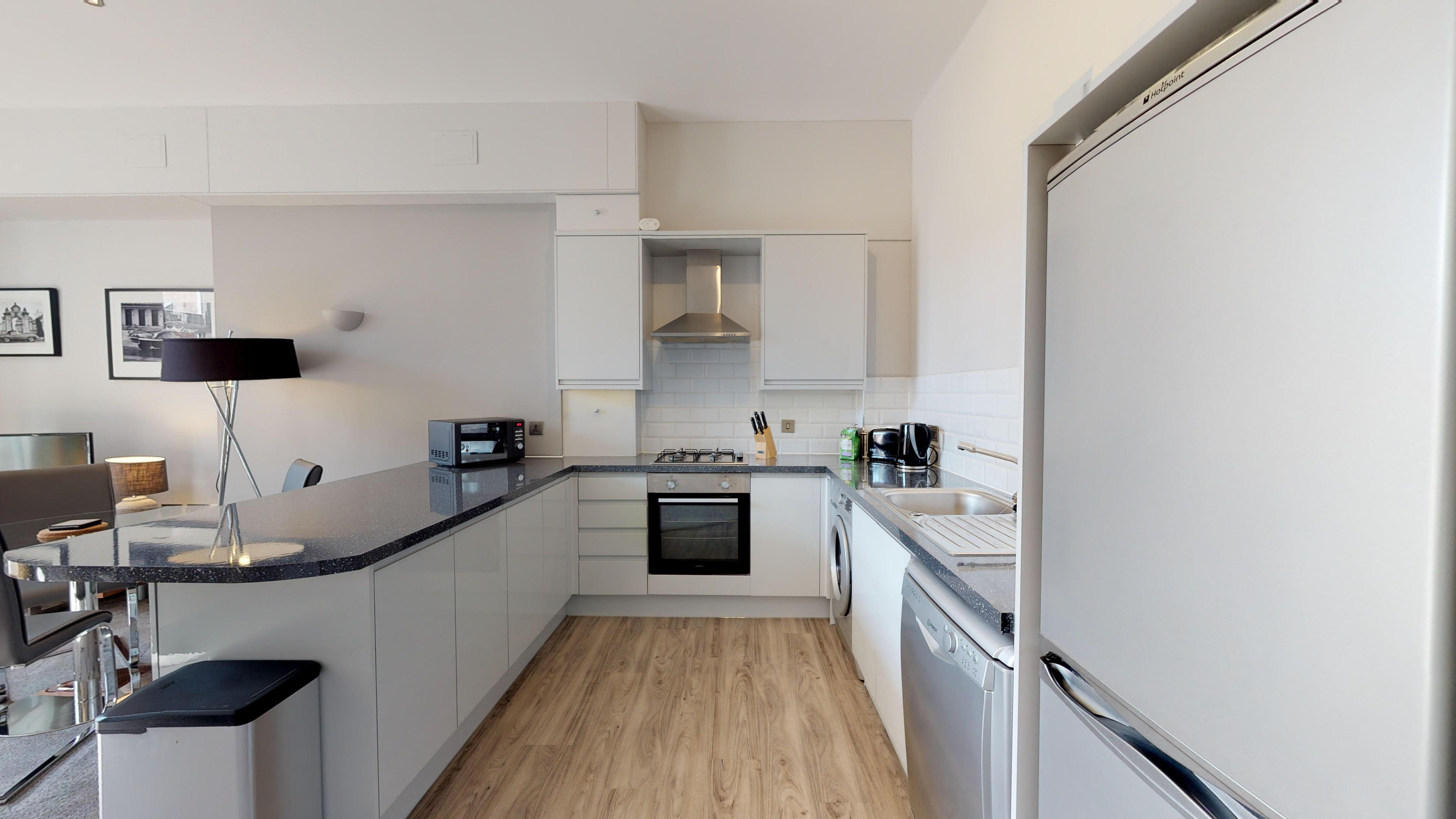 Leamington Spa Serviced Apartments Dunara Beauchamp Kitchen