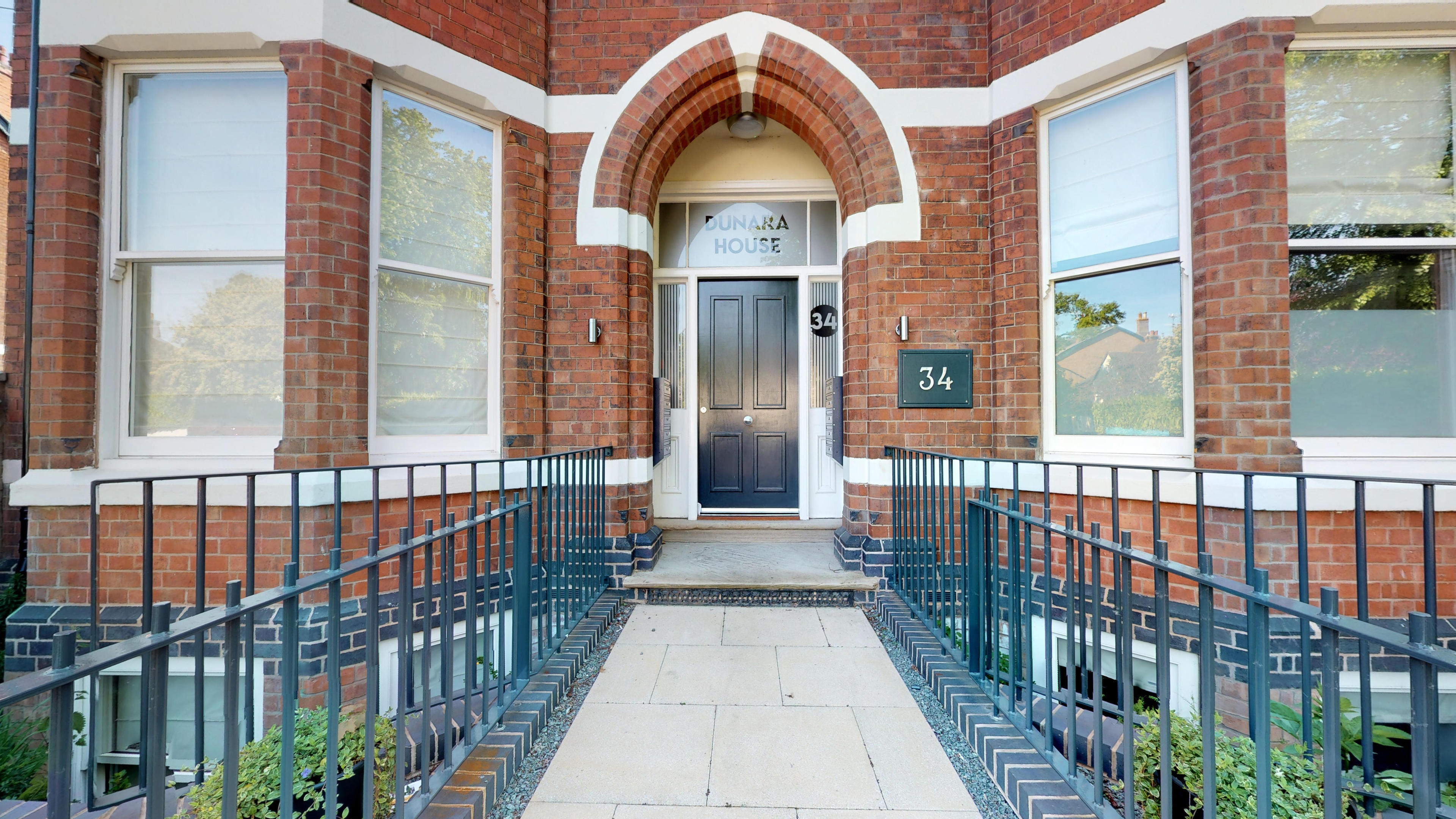 Leamington Spa Serviced Apartments Dunara Exterior Front