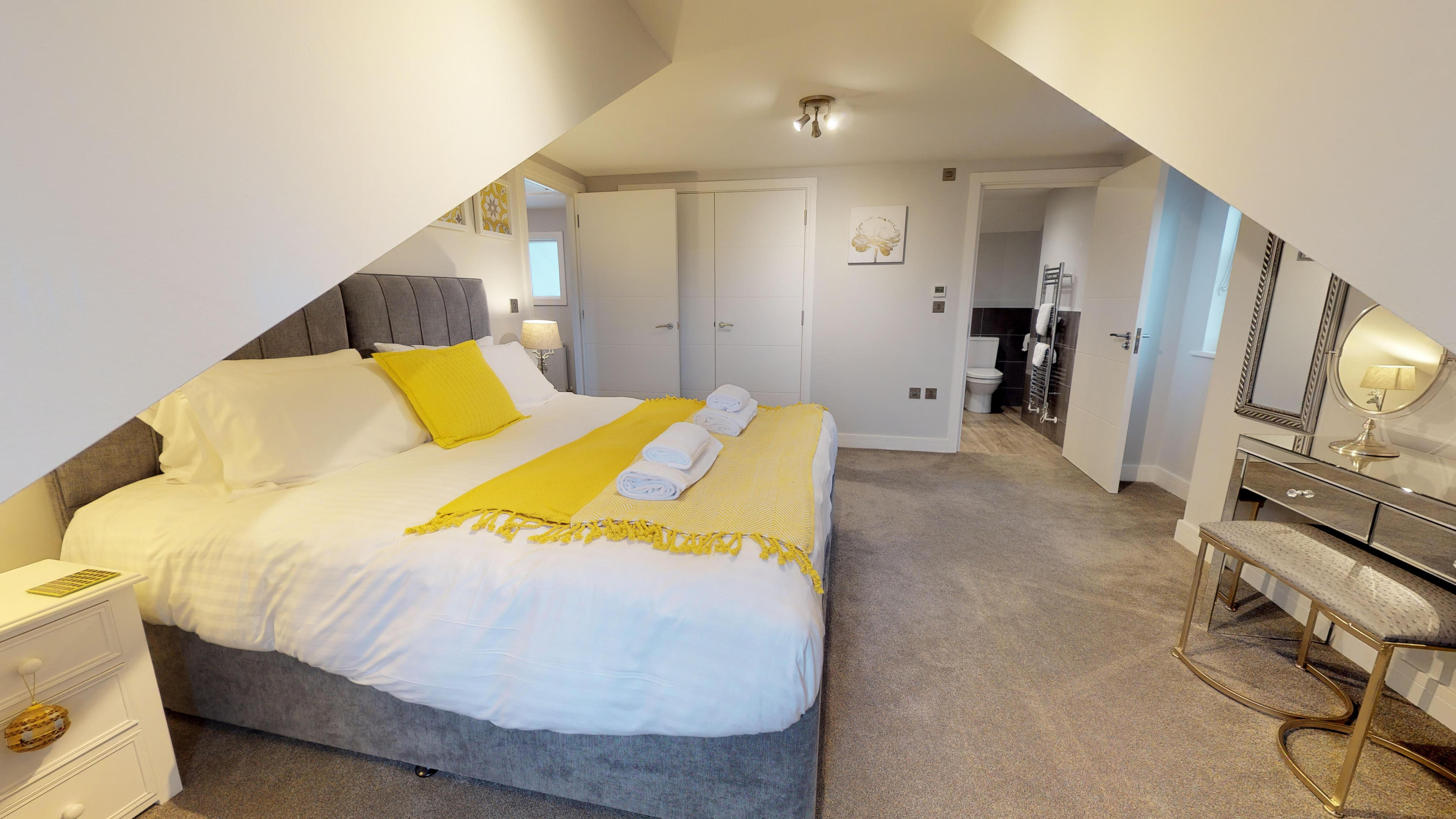 Leamington Spa Serviced Apartments Dunara Shakespeare Bedroom Two 2