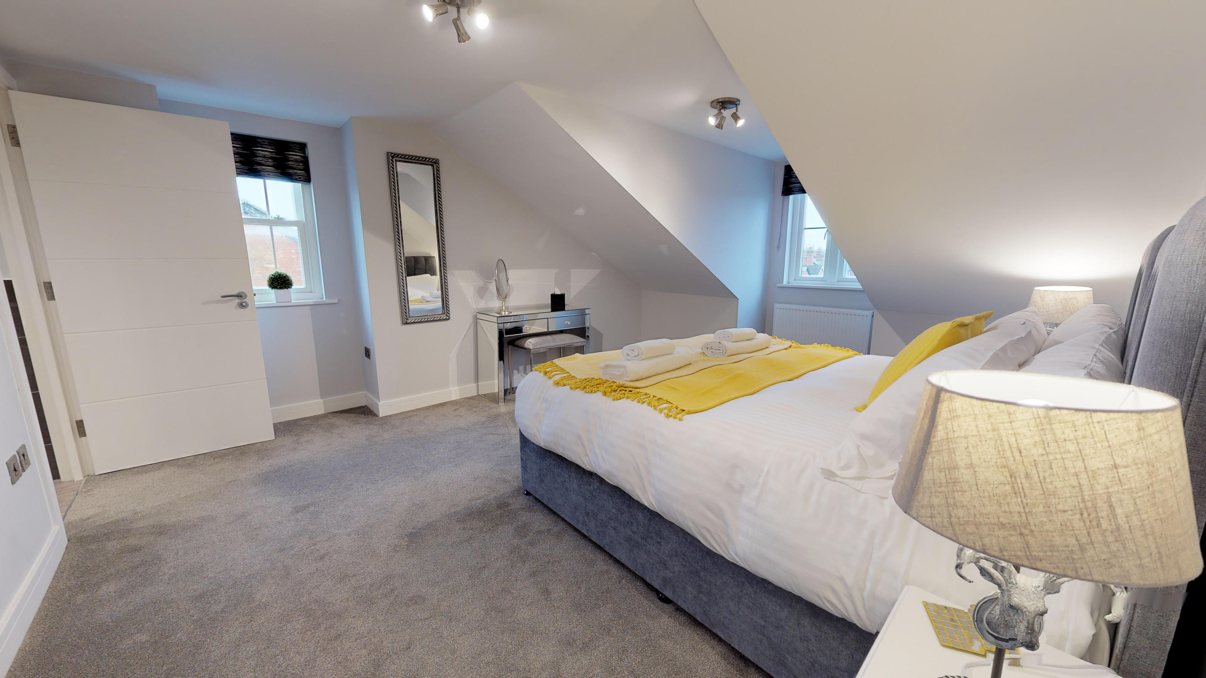 Leamington Spa Serviced Apartments Dunara Shakespeare Bedroom Two