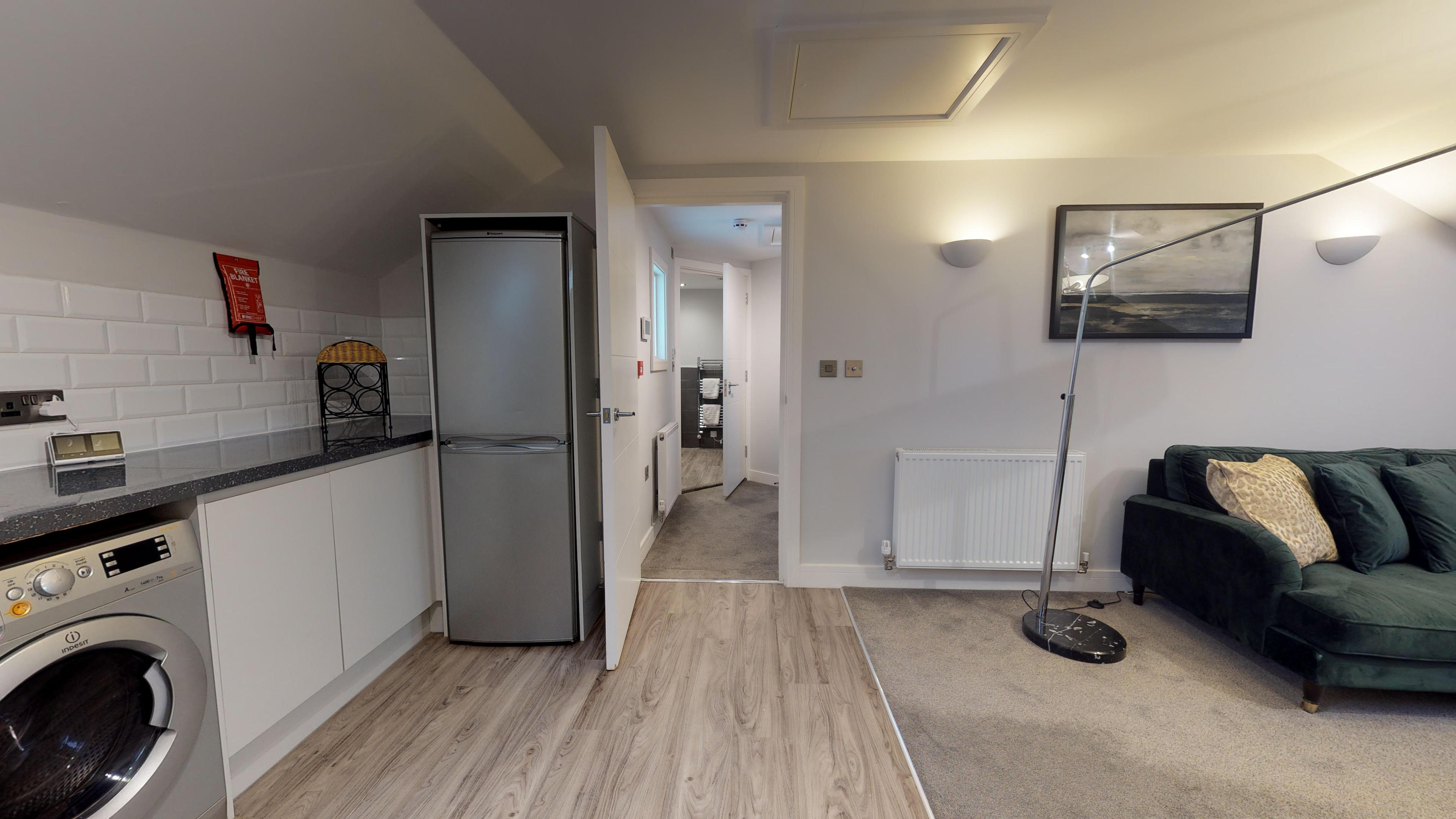 Leamington Spa Serviced Apartments Dunara Shakespeare Living Kitchen