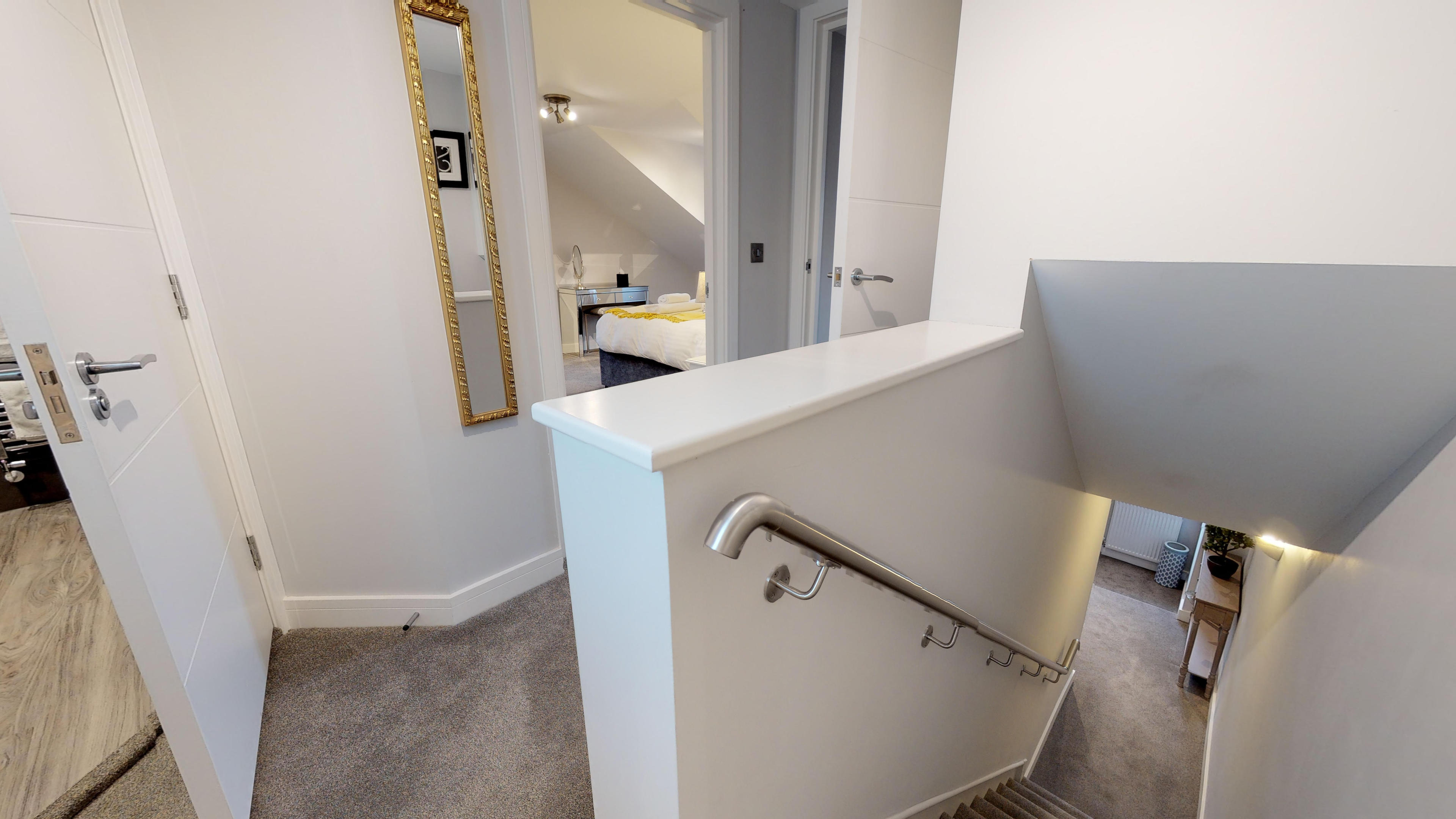 Leamington Spa Serviced Apartments Dunara Shakespeare Stairs