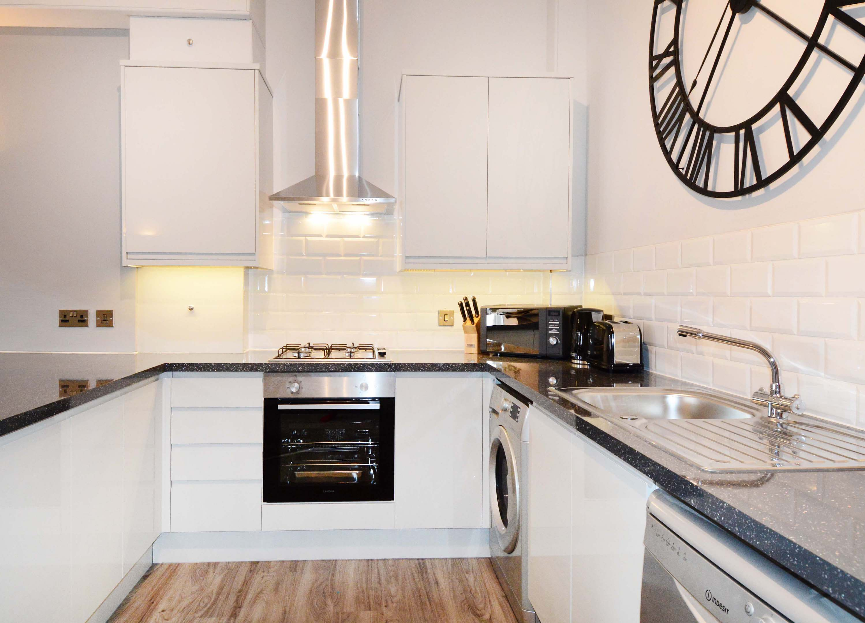 Leamington Spa Serviced Apartment Stratford Suite Kitchen Two