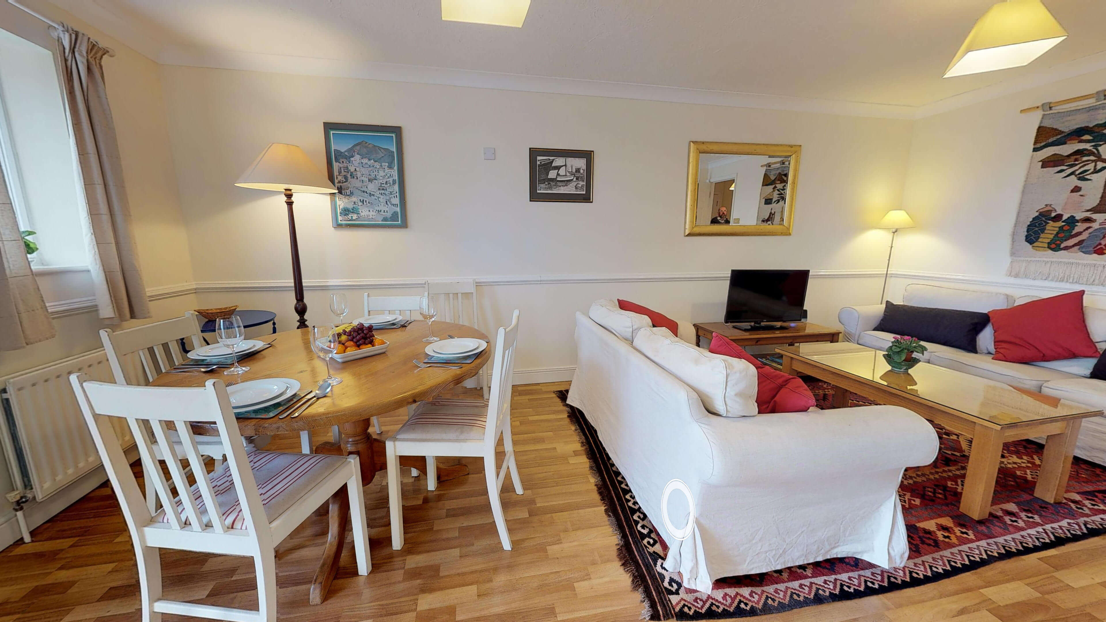 Millbank Oxford City Centre Short Stay Apartment Sleeps 4 Dining Living