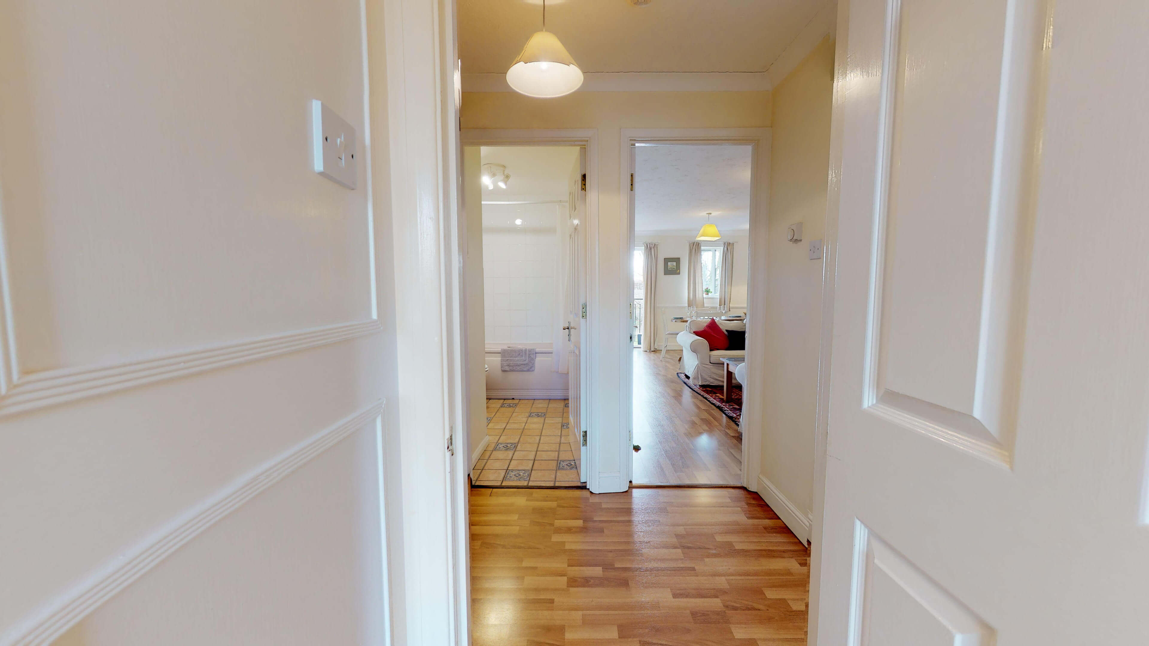 Millbank Oxford City Centre Short Stay Apartment Sleeps 4 Hall View
