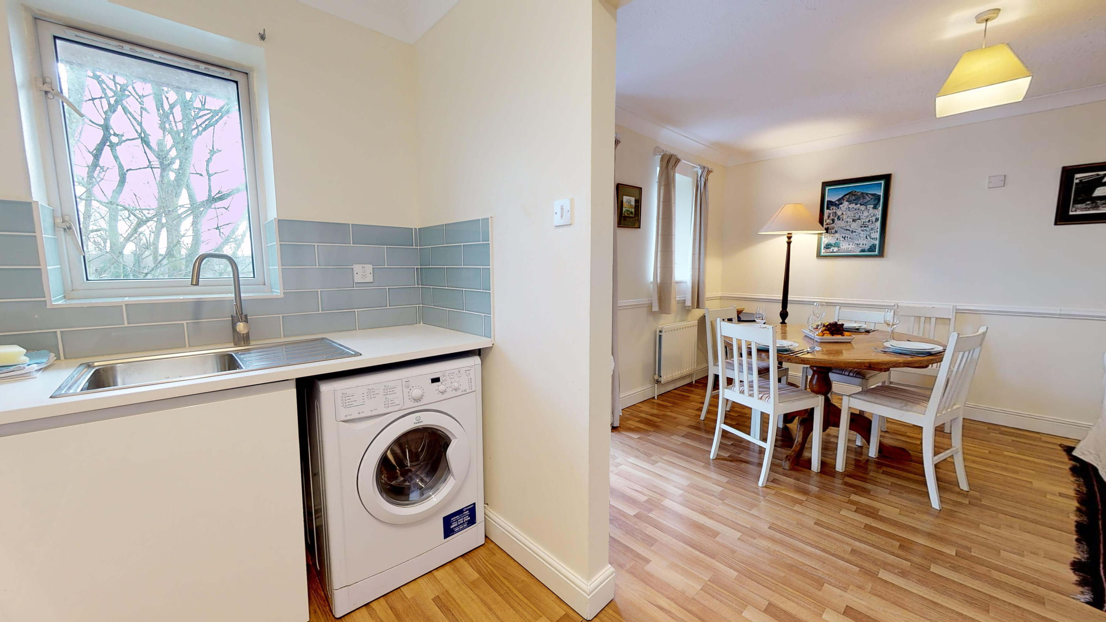 Millbank Oxford City Centre Short Stay Apartment Sleeps 4 Kitchen Dining