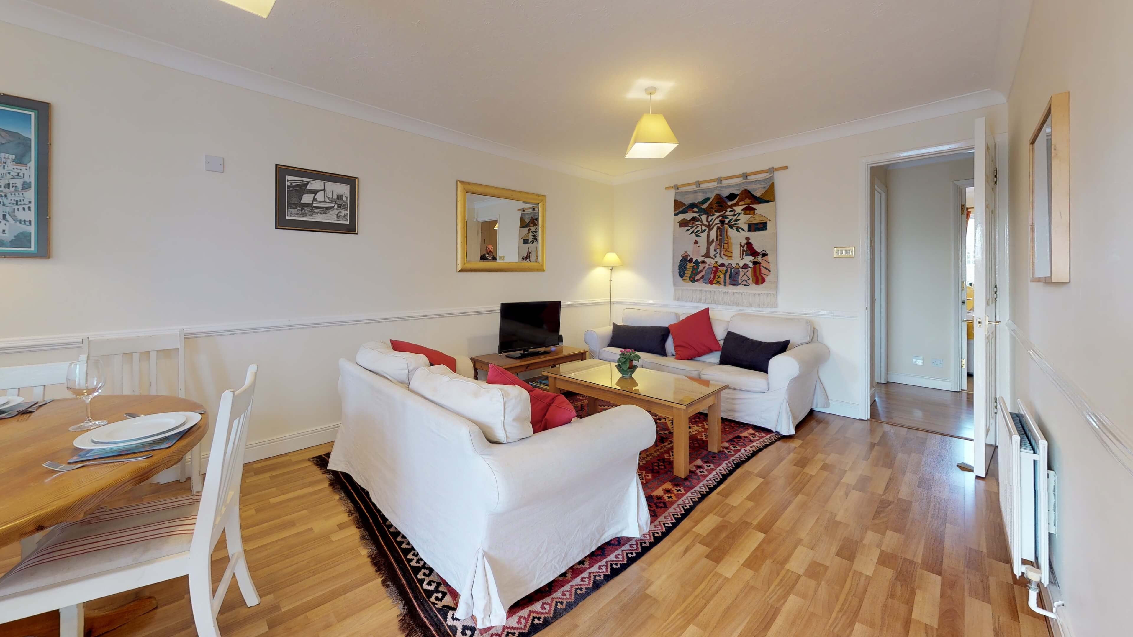 Millbank Oxford City Centre Short Stay Apartment Sleeps 4 Living Room