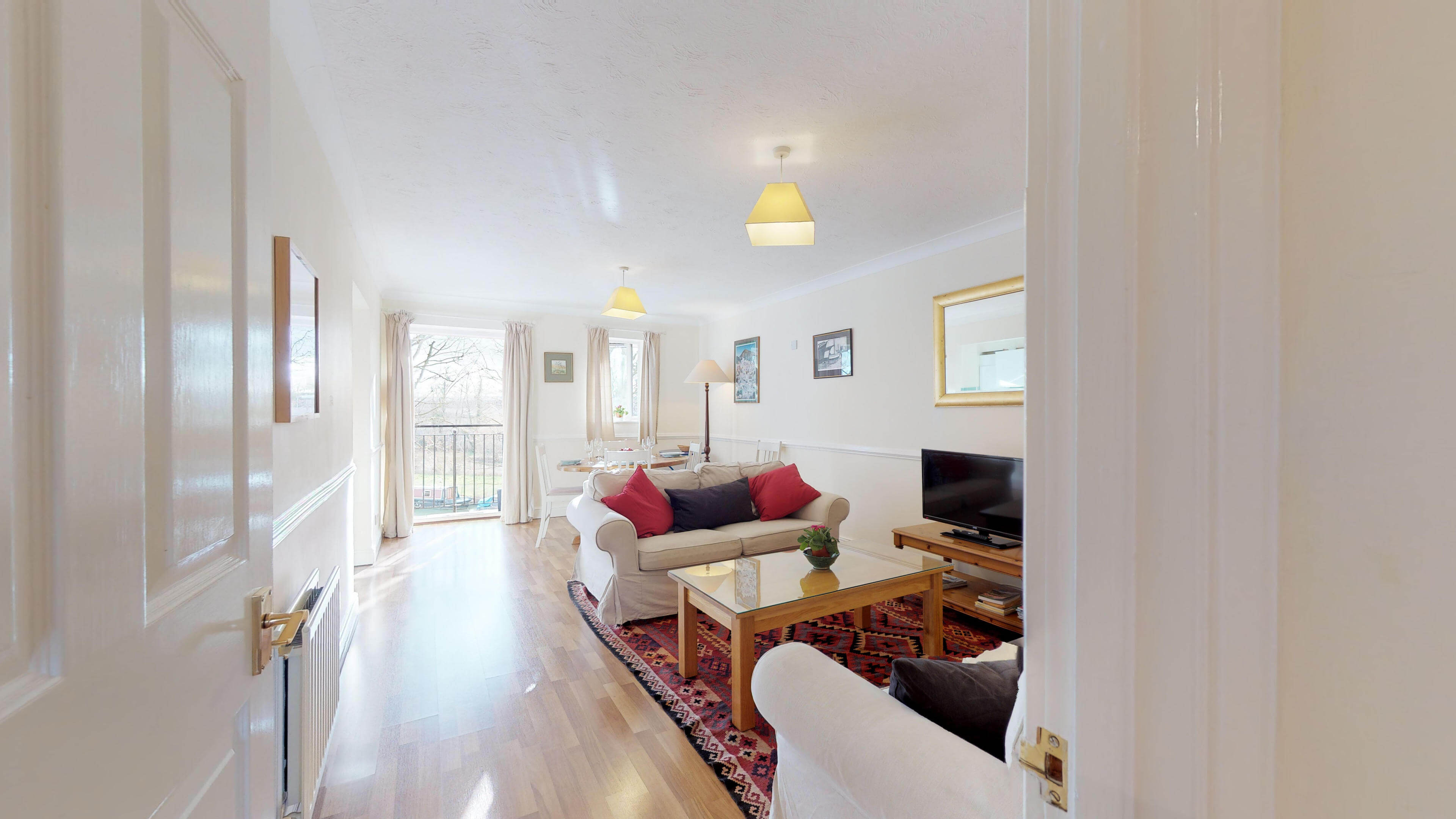 Millbank Oxford City Centre Short Stay Apartment Sleeps 4 Living View