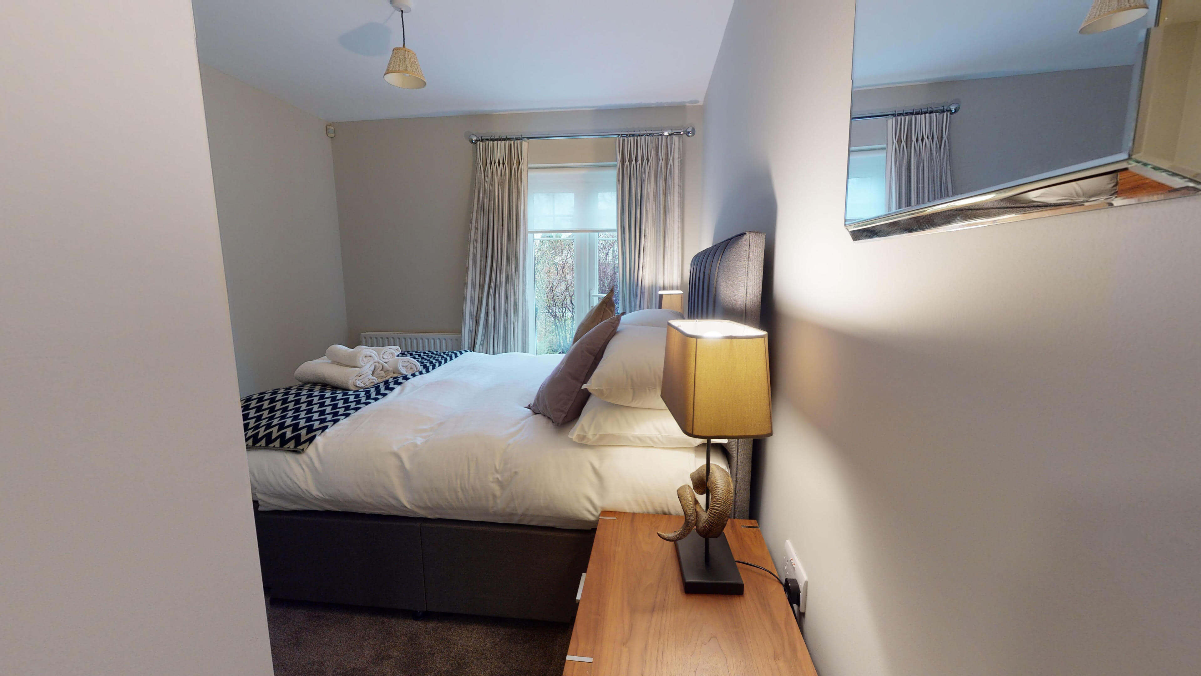 Oxford Serviced Apartment Blenheim Suite Bedroom One 2