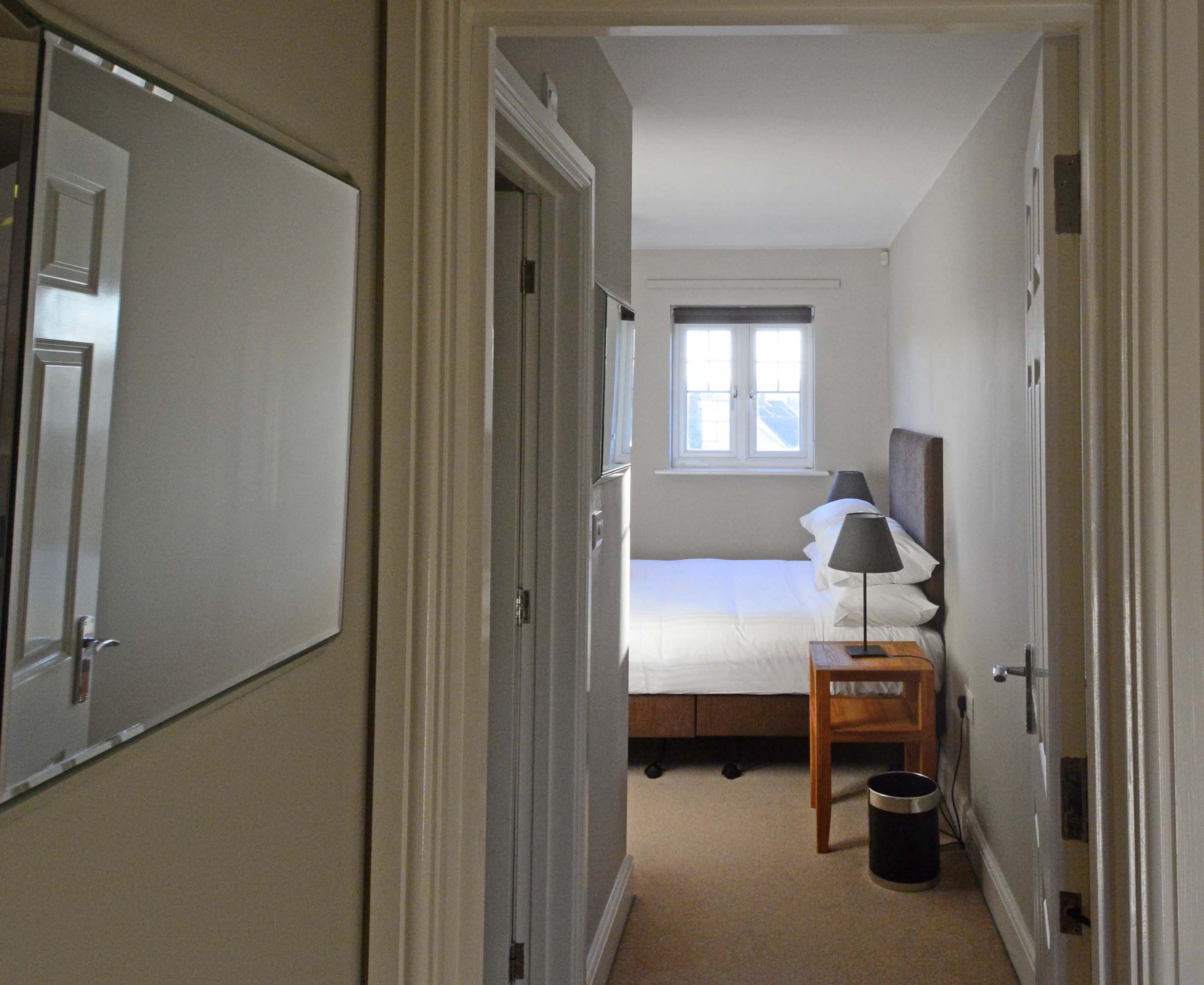 Oxford Two Bedroom Churchill Suite Short Let 006