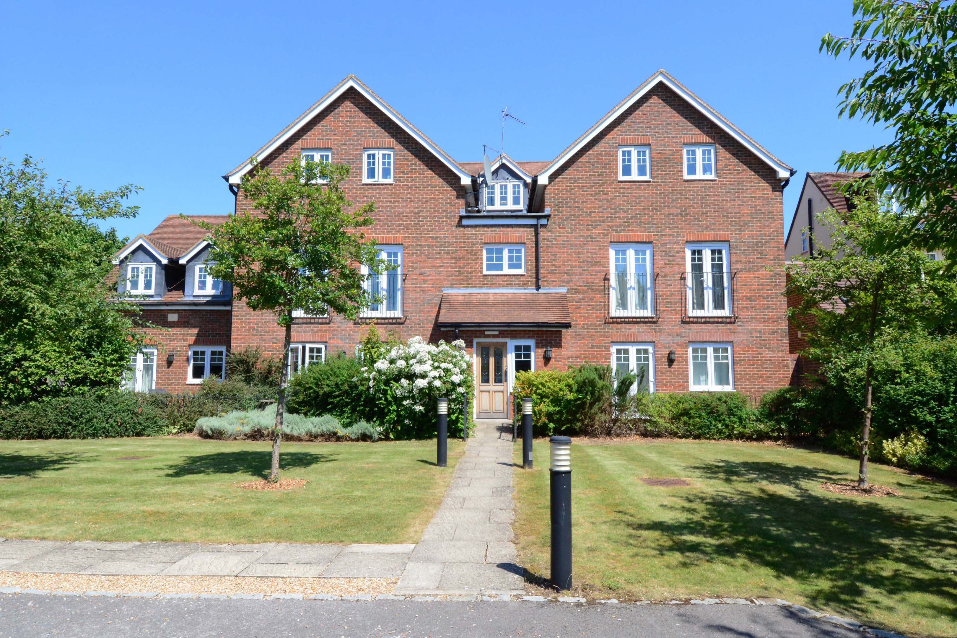 Oxford Two Bedroom Churchill Suite Short Let 001