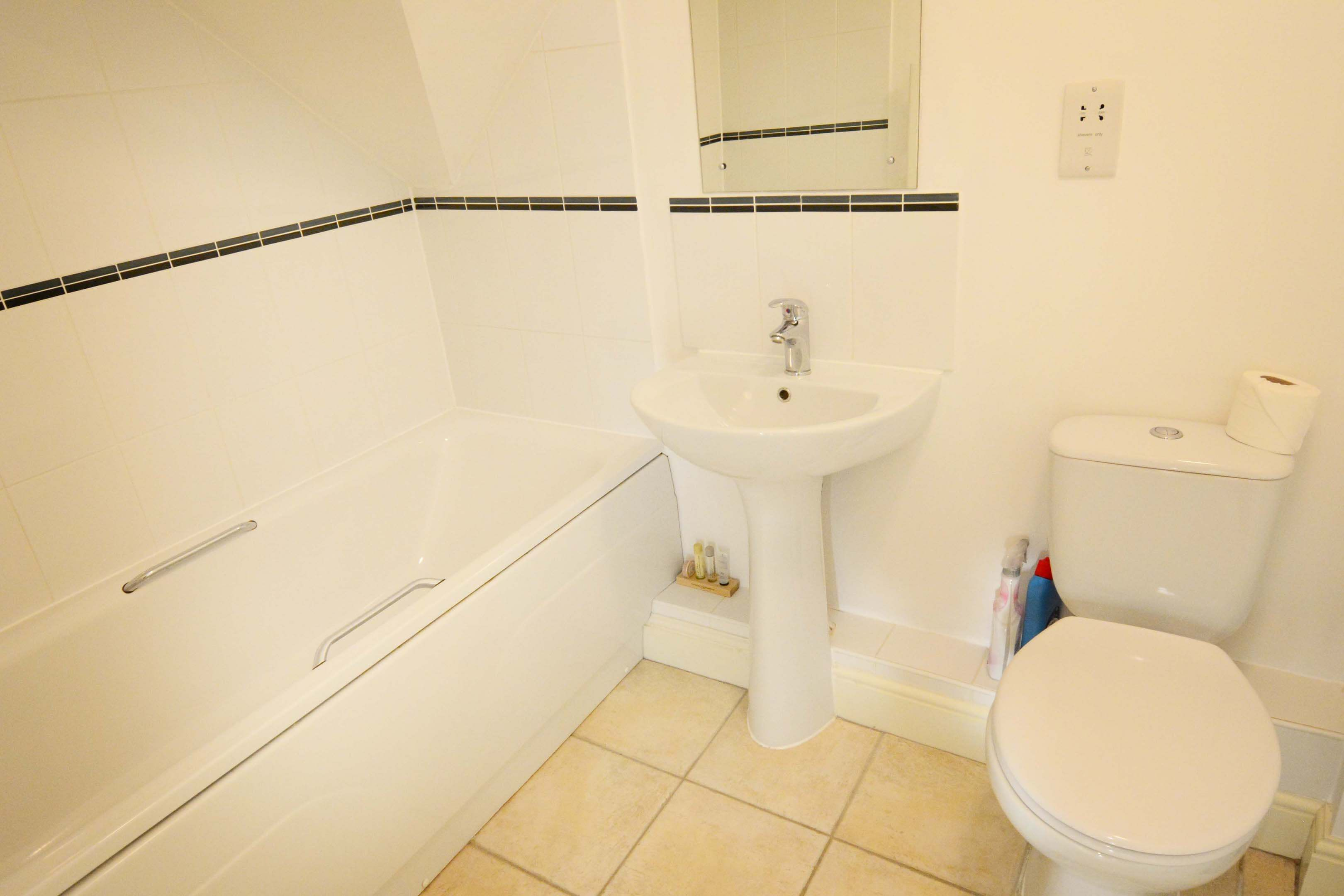 Oxford Two Bedroom Churchill Suite Short Let 0010