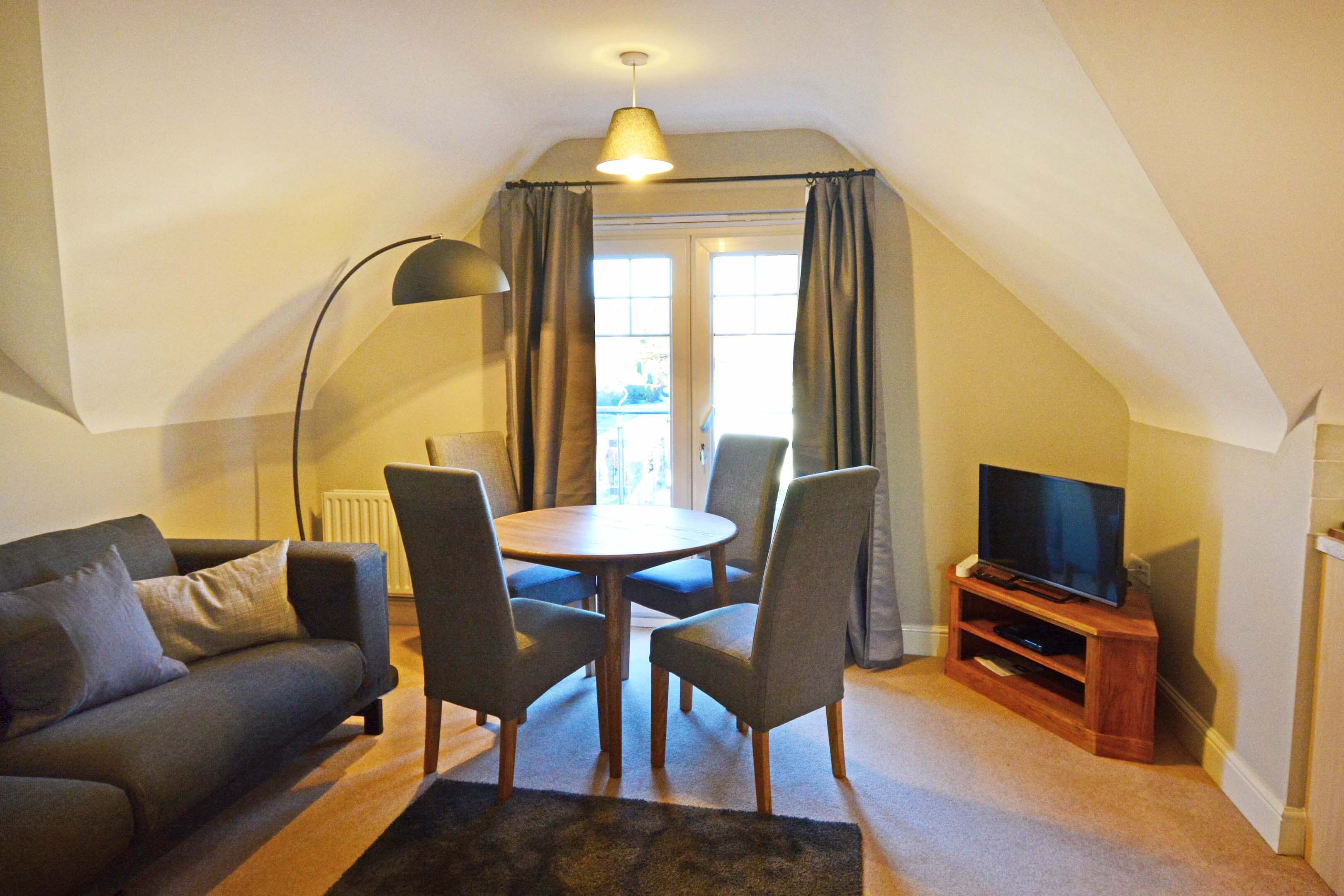 Oxford Two Bedroom Churchill Suite Short Let 003