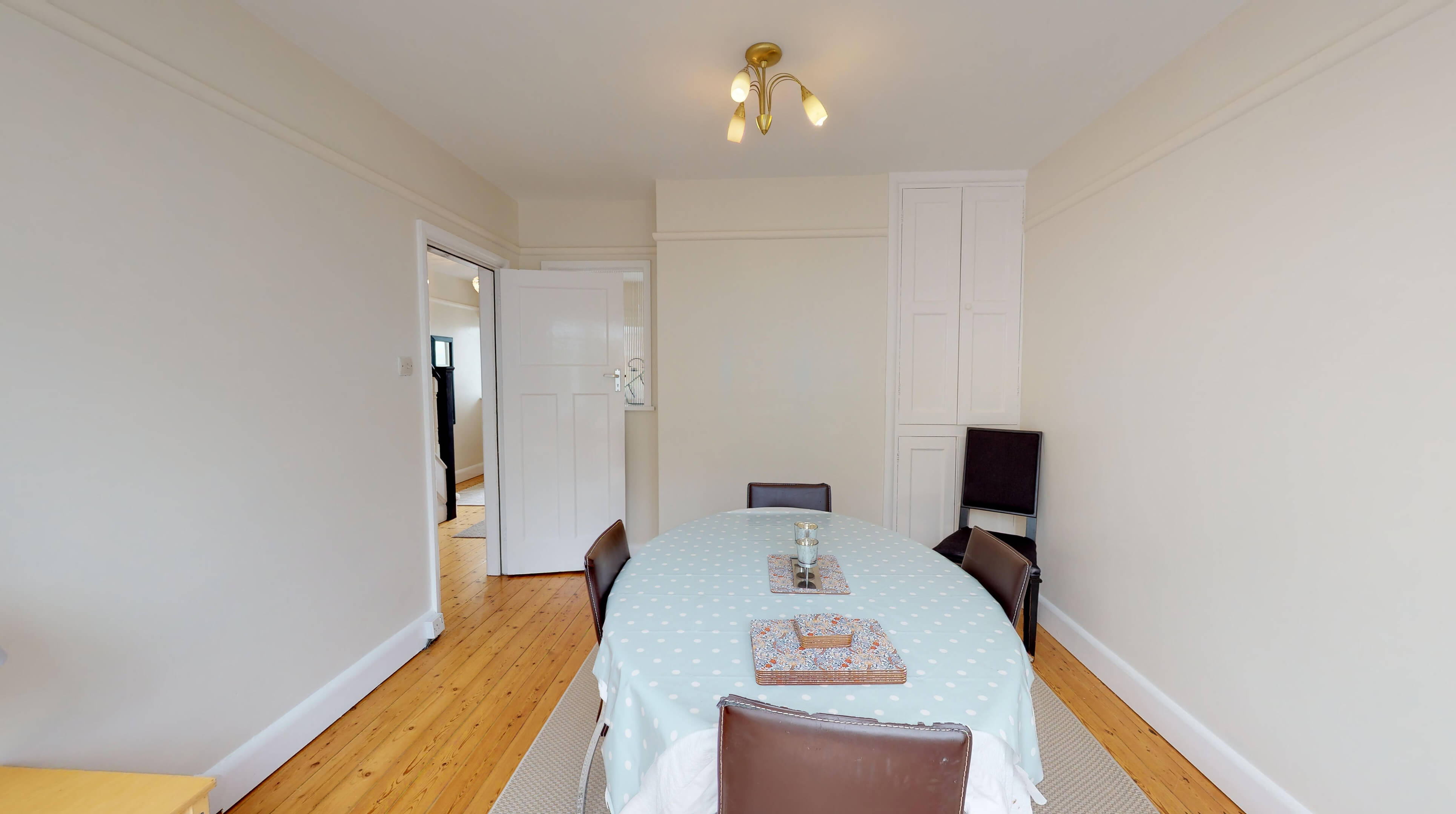 Oxford Two Bedroom Lavender House Dining Room 1