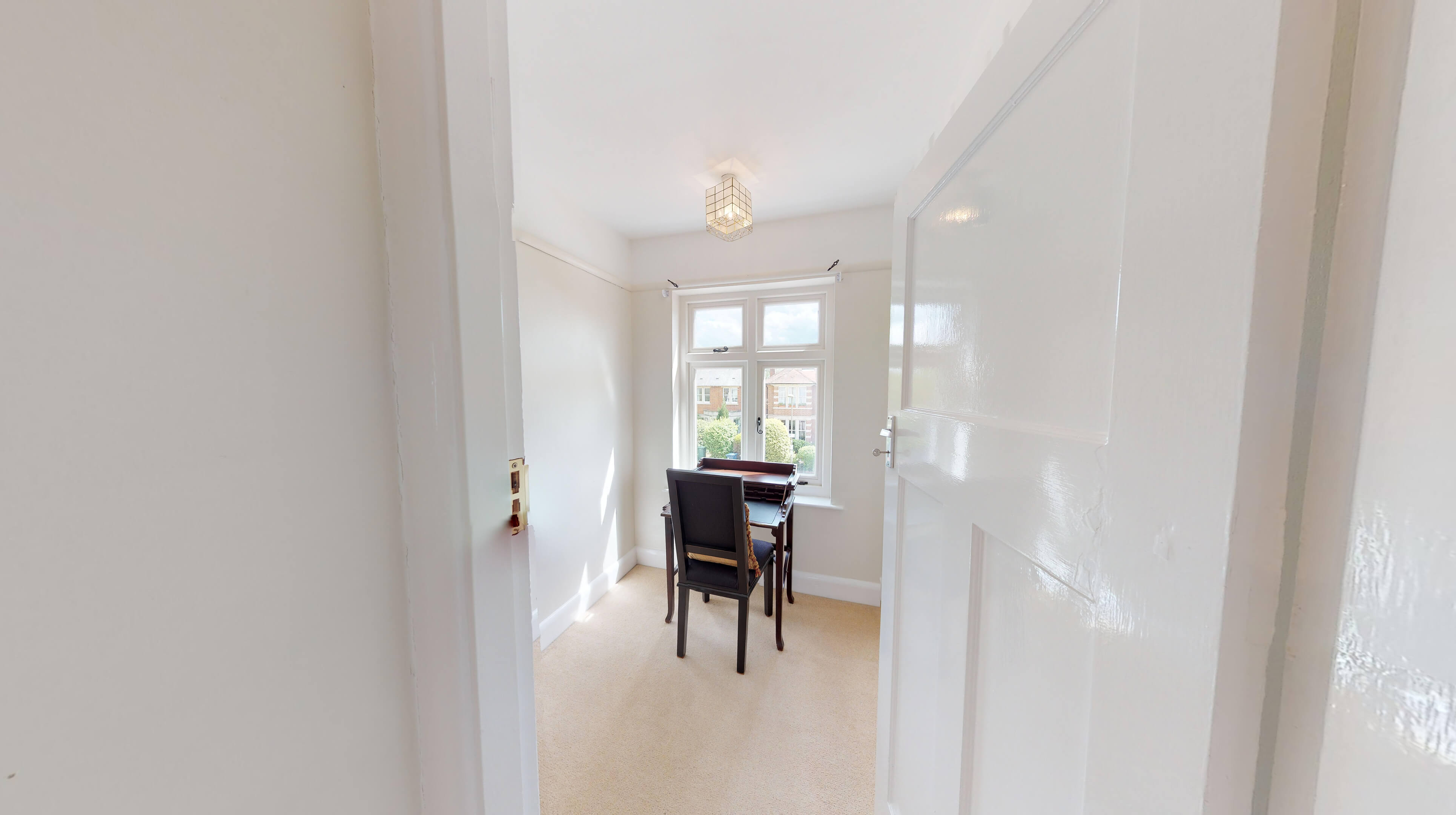 Oxford Two Bedroom Lavender House Dining Room