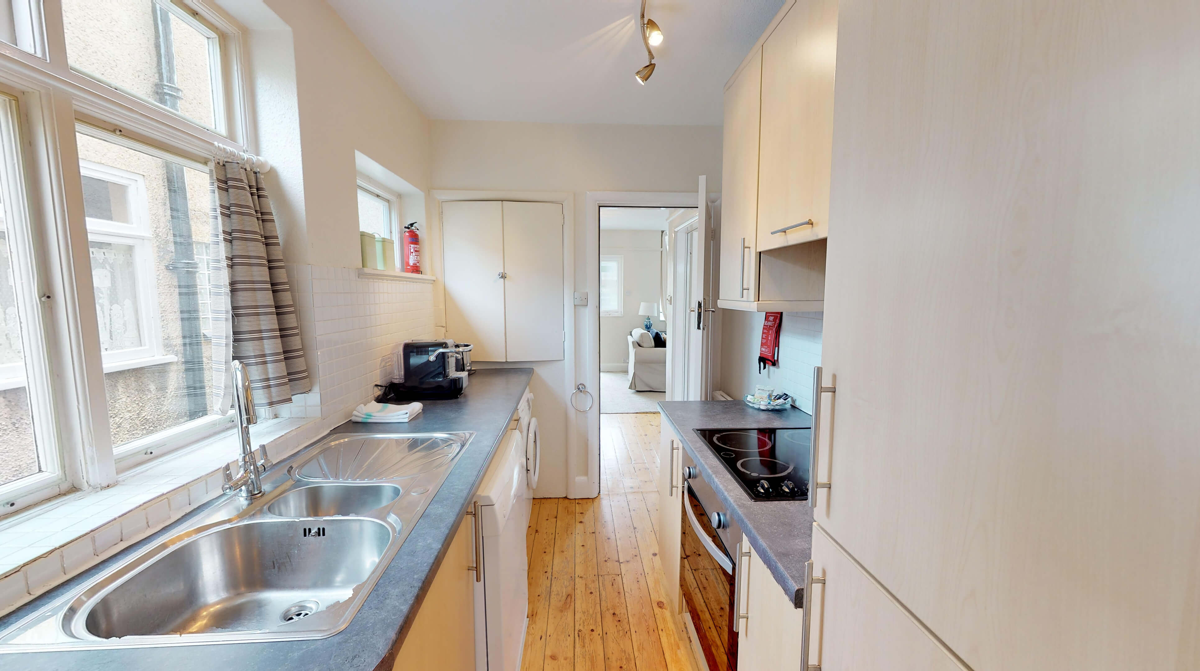 Oxford Two Bedroom Lavender House Kitchen 1