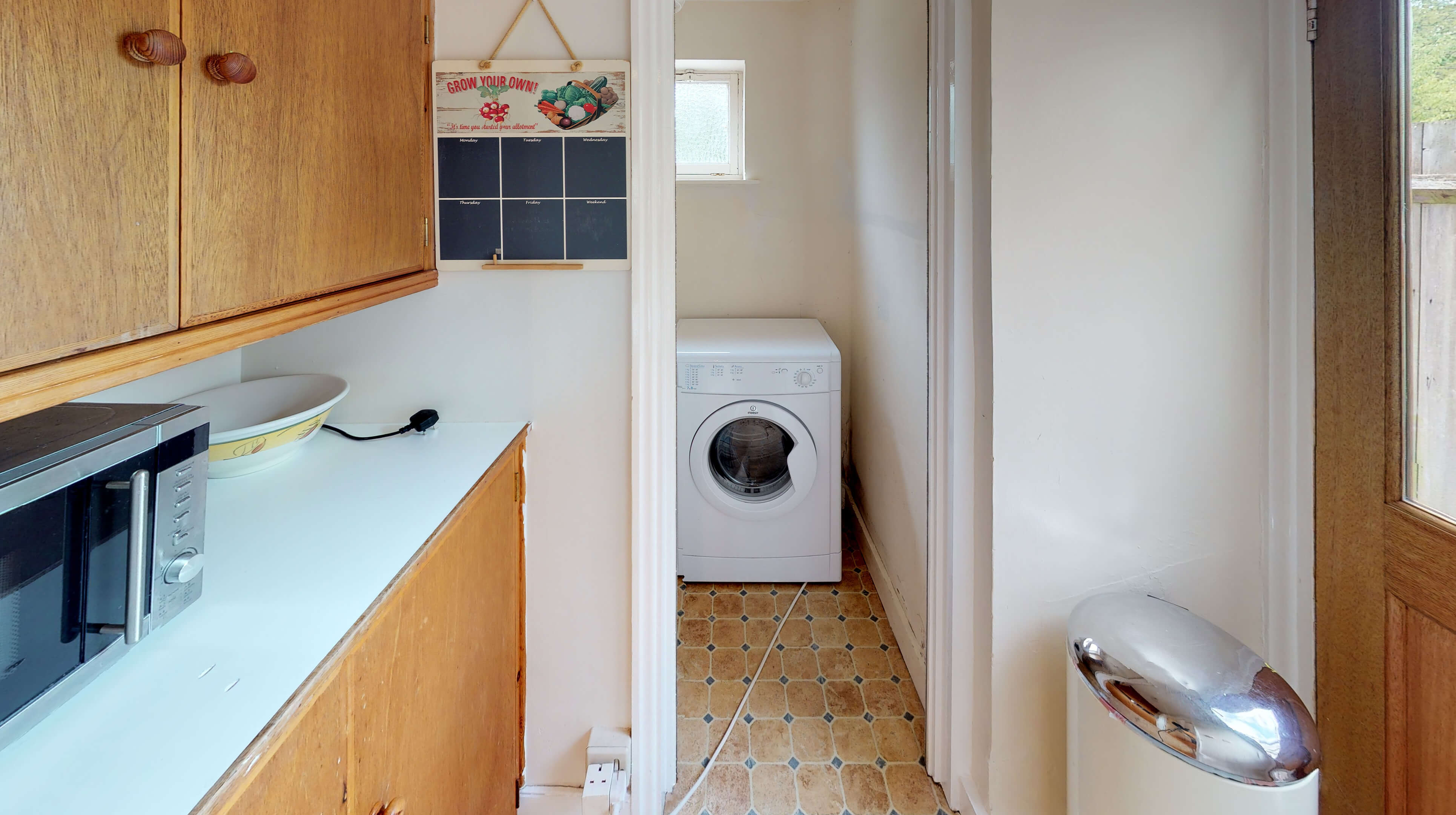 Oxford Two Bedroom Lavender House Laundry