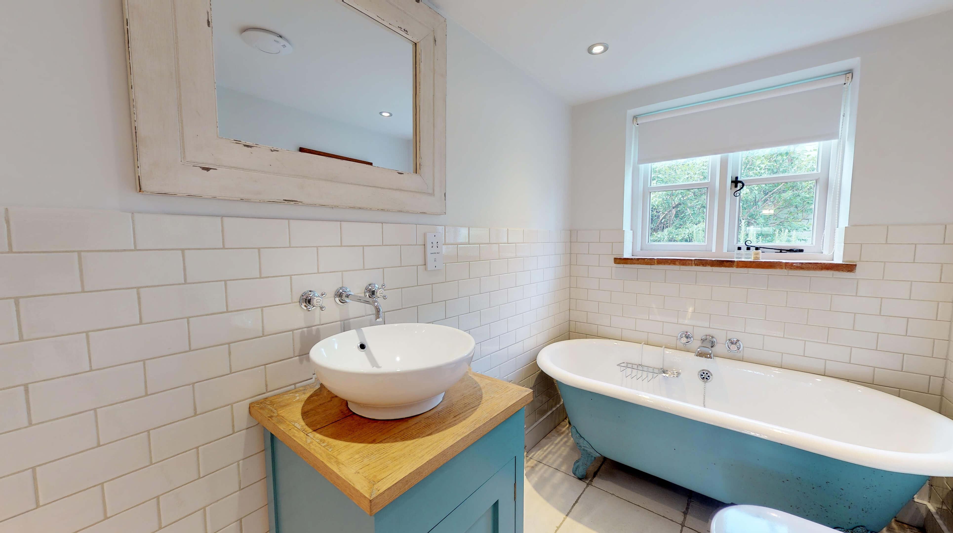 Lower Heyford Three Bedroom Coopers Cottage Bathroom 3
