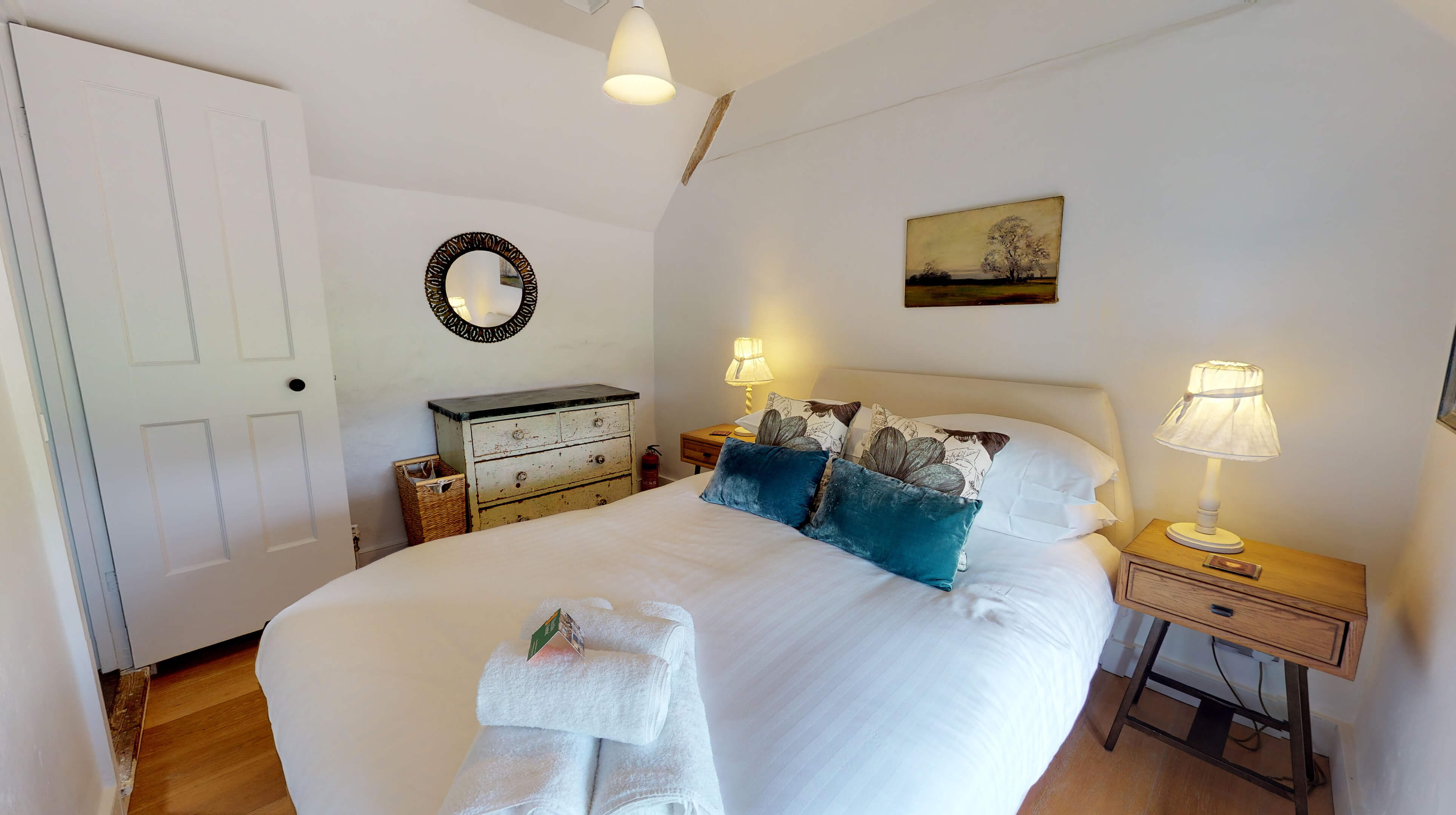 Lower Heyford Three Bedroom Coopers Cottage Bedroom One 3
