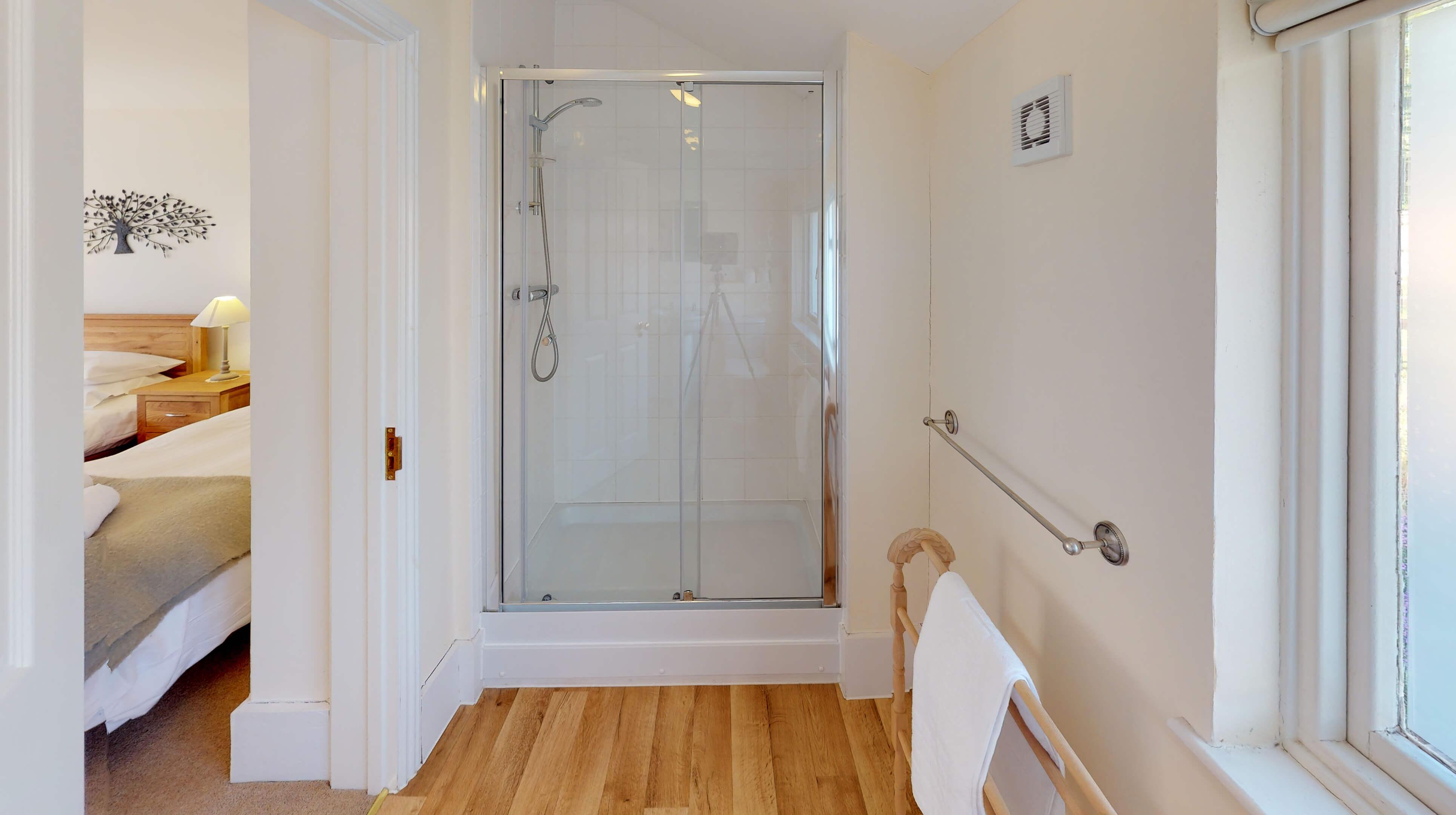 Bladon Two Bedroom Home Farm Cottage Bathroom 1