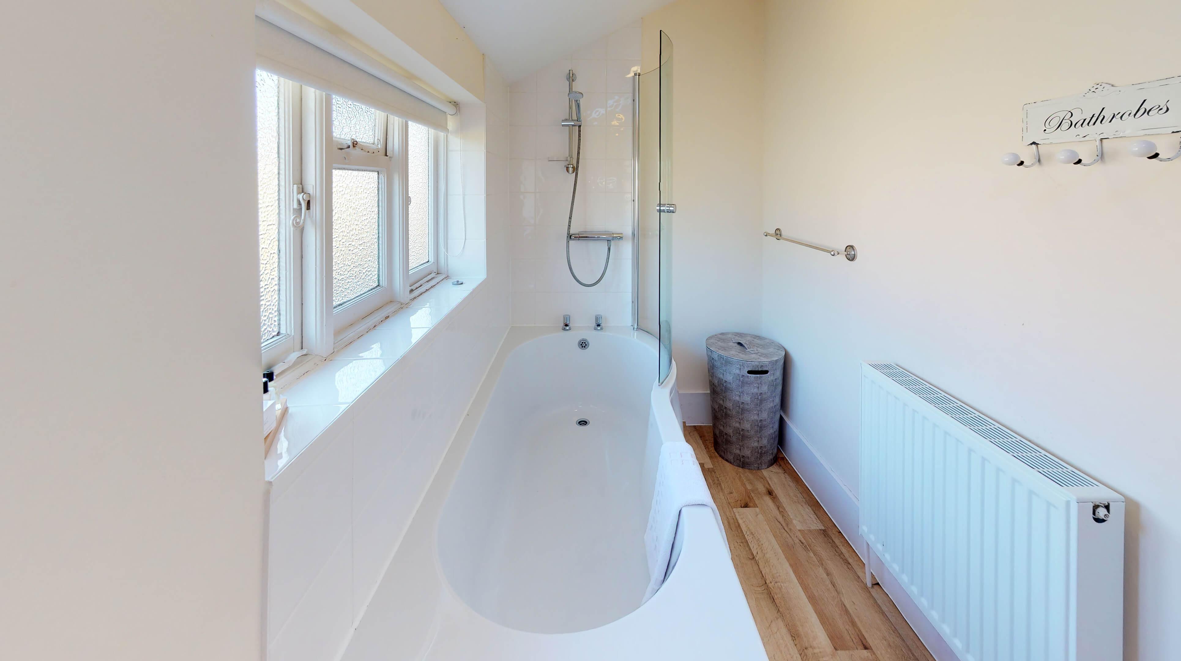 Bladon Two Bedroom Home Farm Cottage Bathroom 2