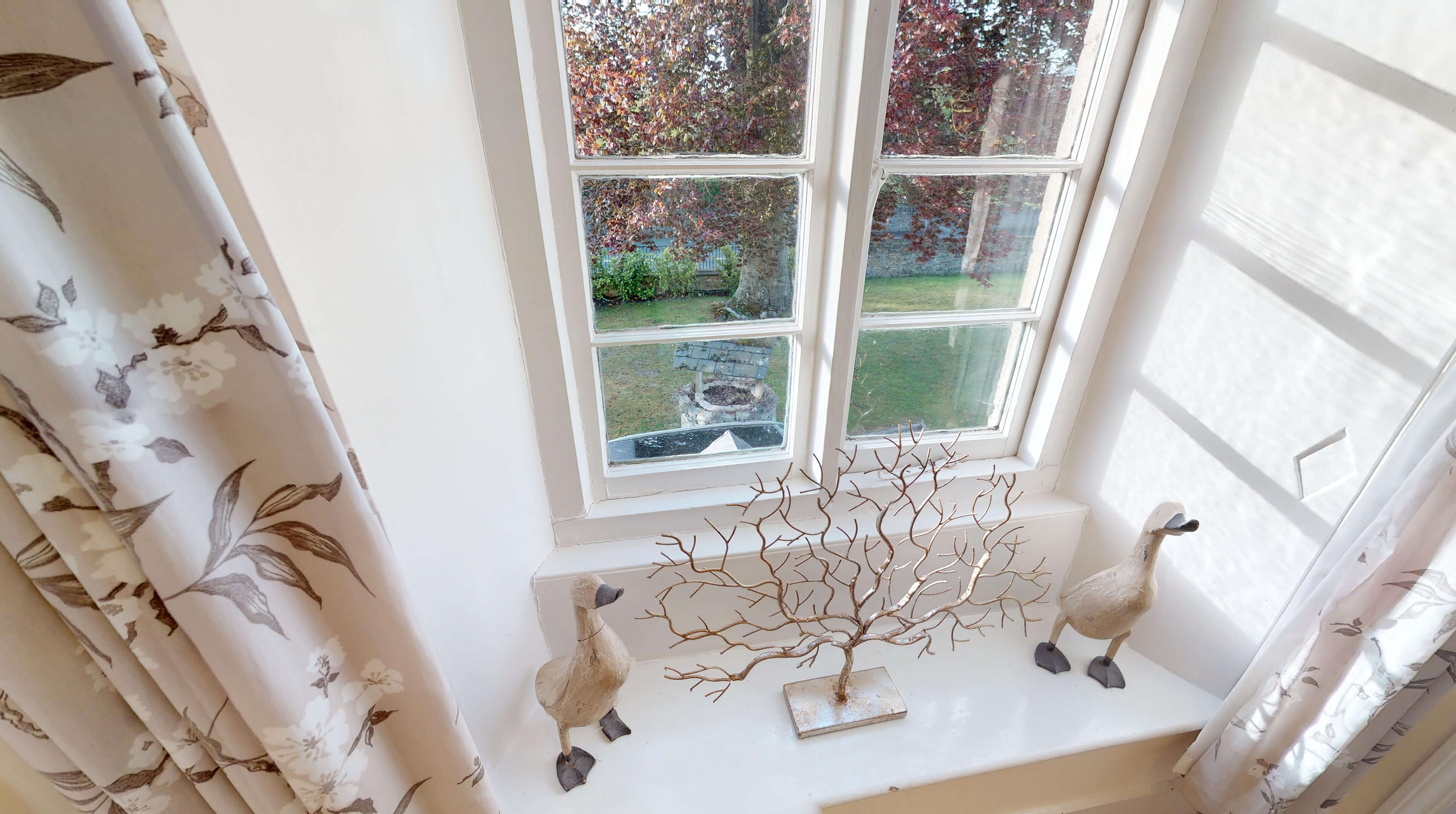 Bladon Two Bedroom Home Farm Cottage Front Window View