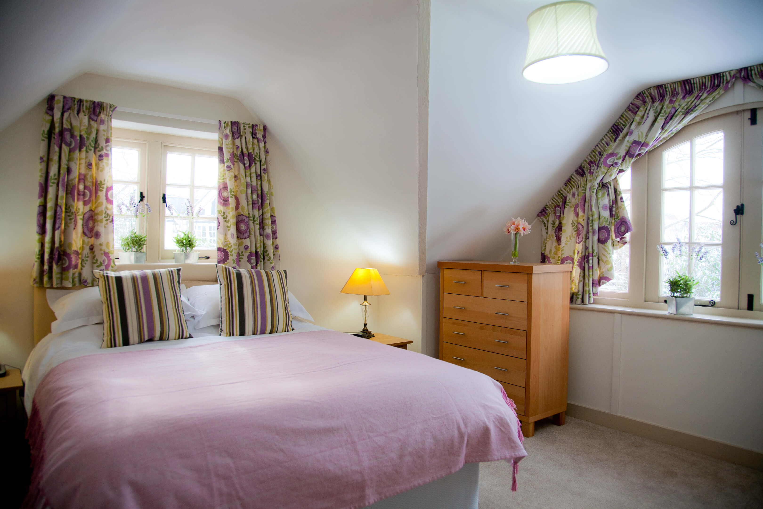 Oxford Shortlet Self Catering Apartment Doubleroom Beech Cottage 1