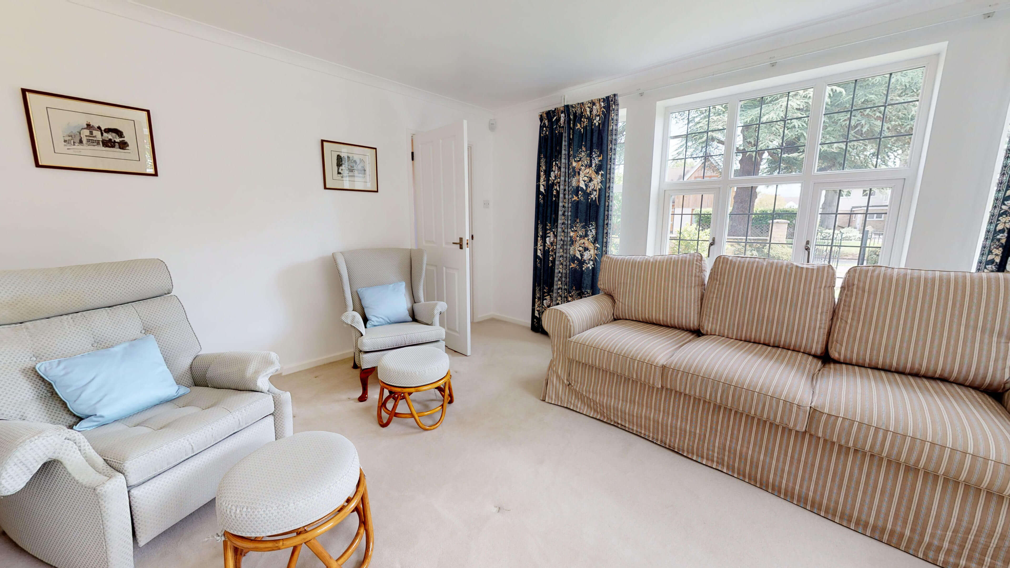 Blenheim Gate Living Room 1