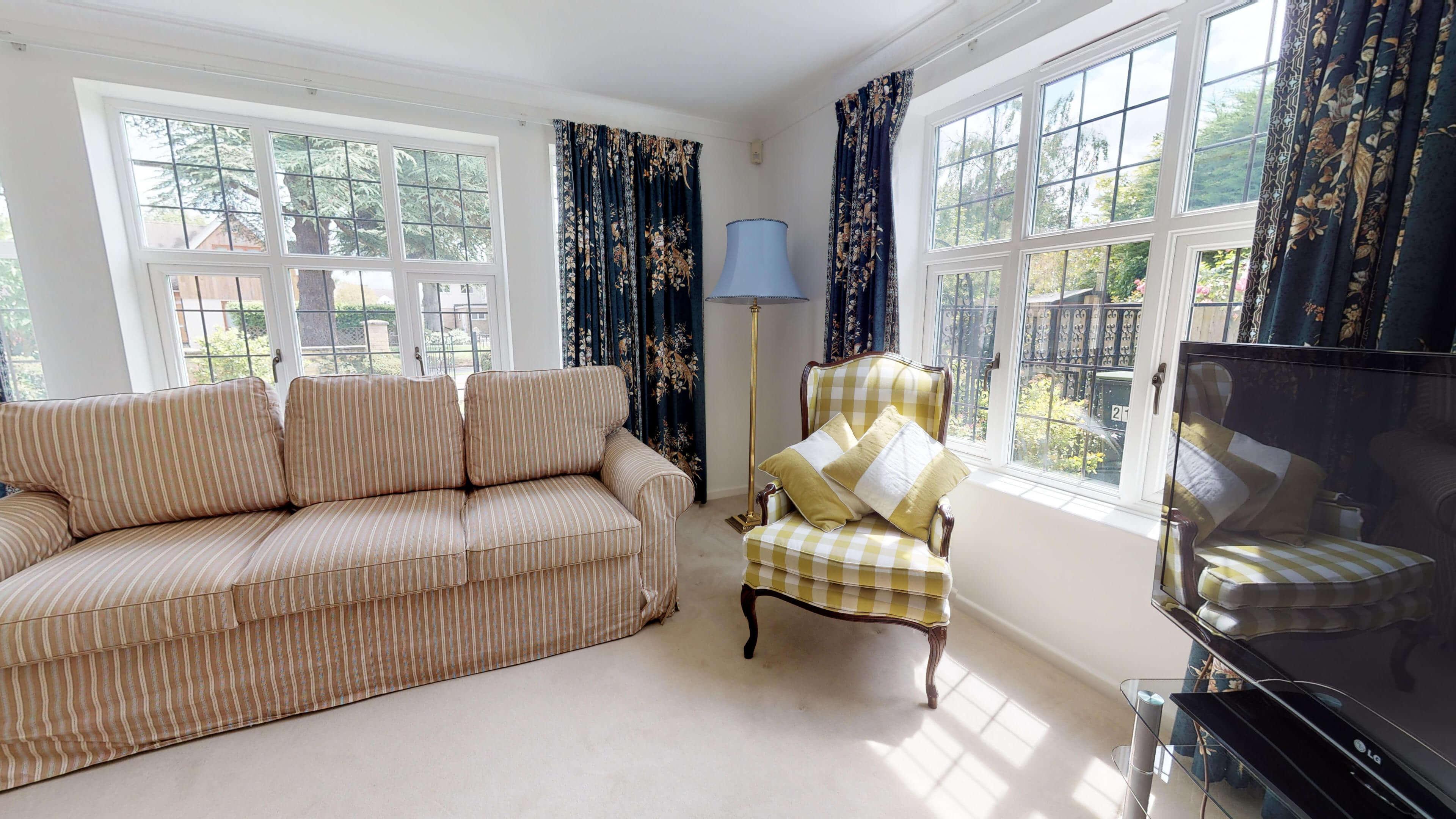 Blenheim Gate Livingroom 3