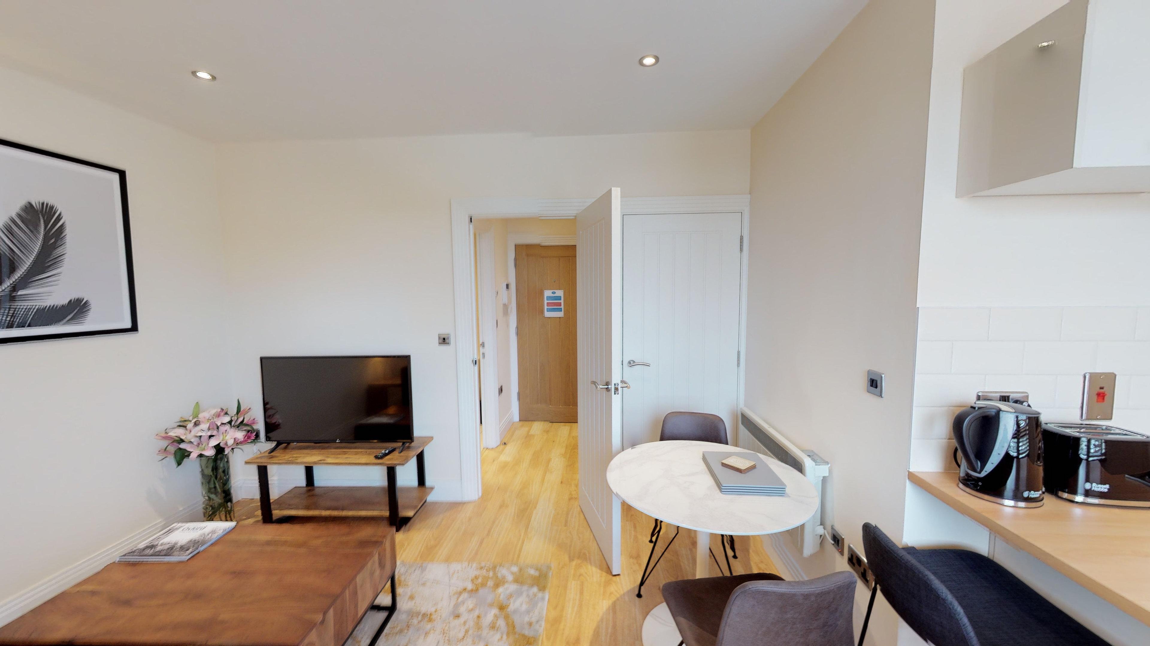 Morris Apartments Nomad Suite 10 12