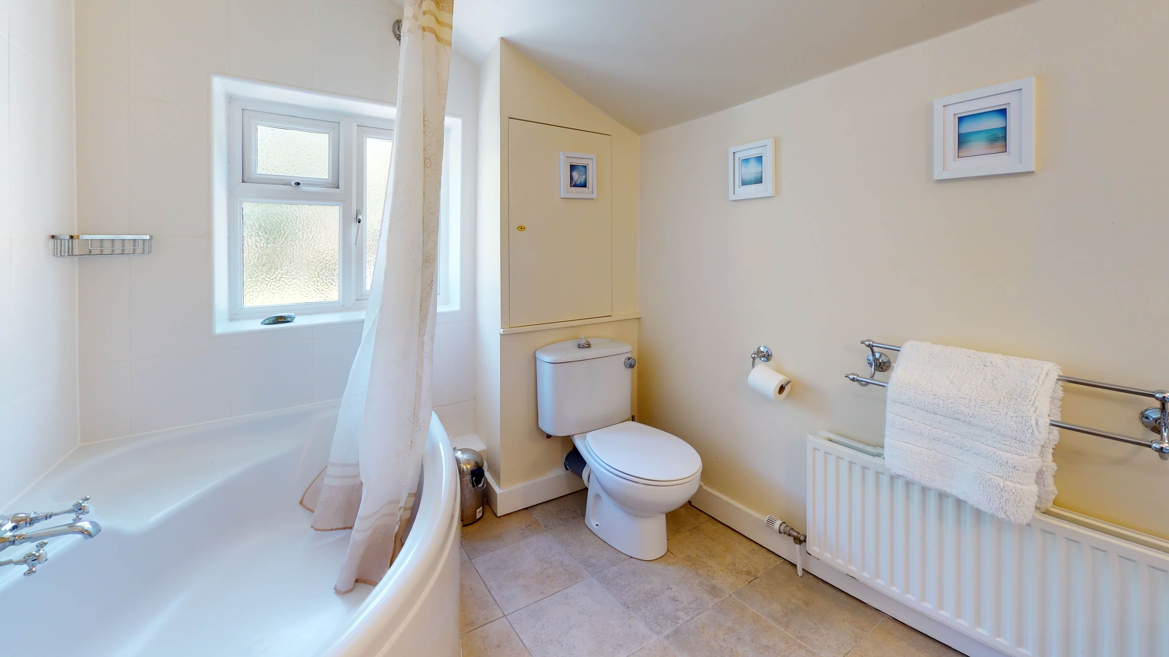 Princes Street Bathroom1