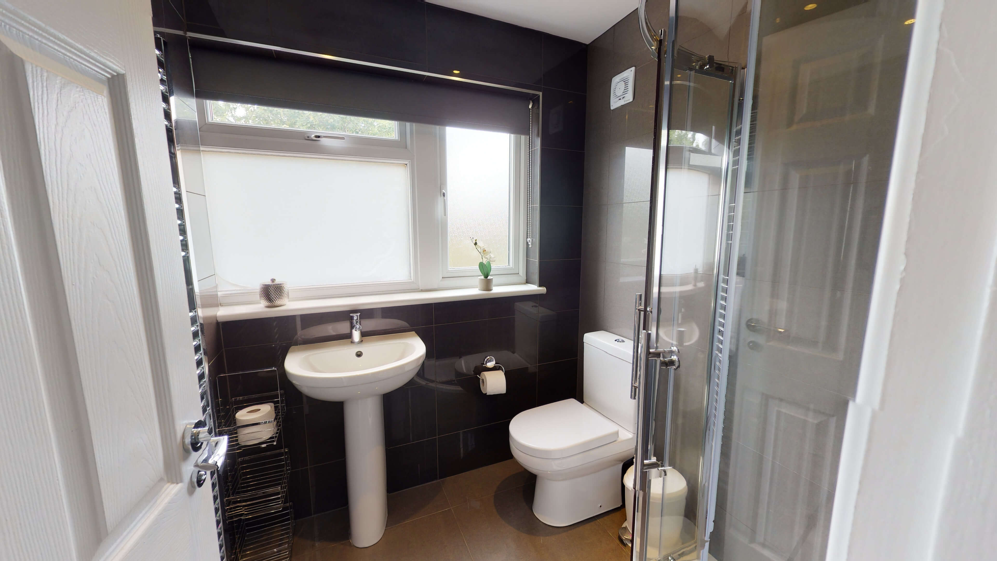 Hollow Way House Bathroom One With Shower1