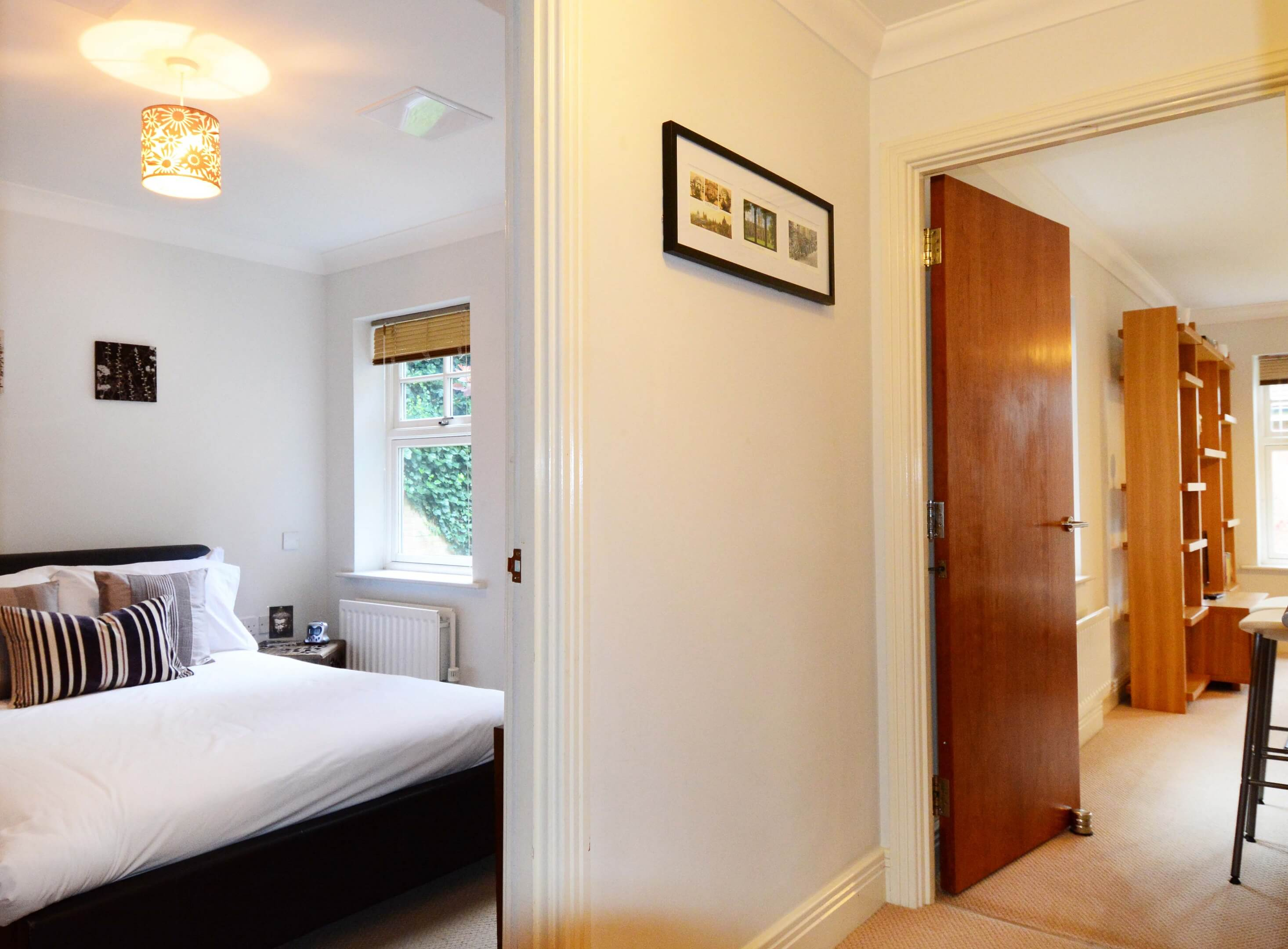 Oxford One Bedroom Elizabeth Jennings Way Hallway 2