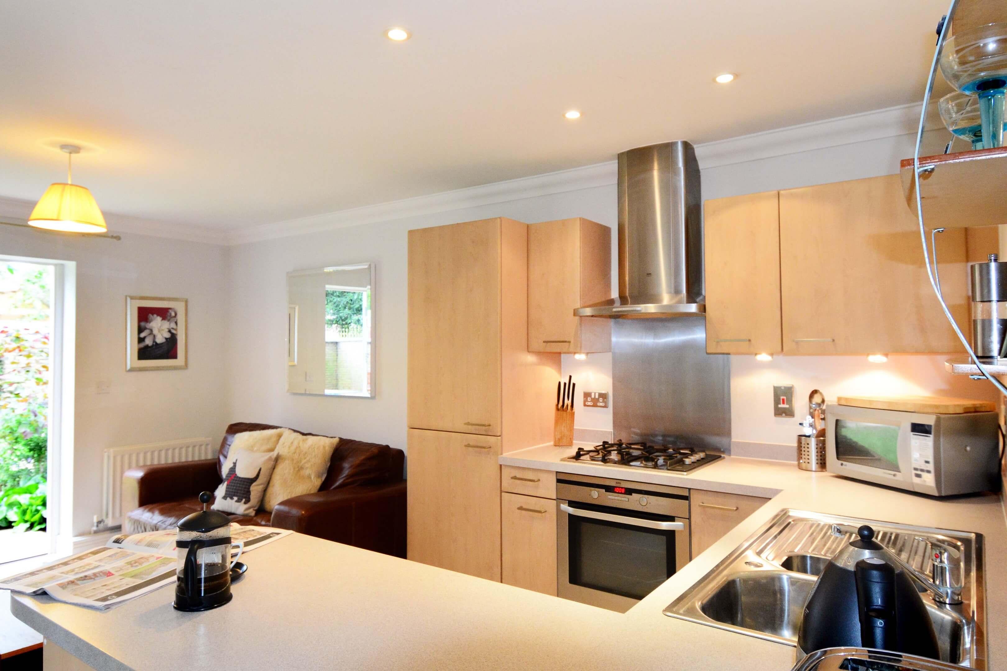 Oxford One Bedroom Elizabeth Jennings Way Kitchen 3