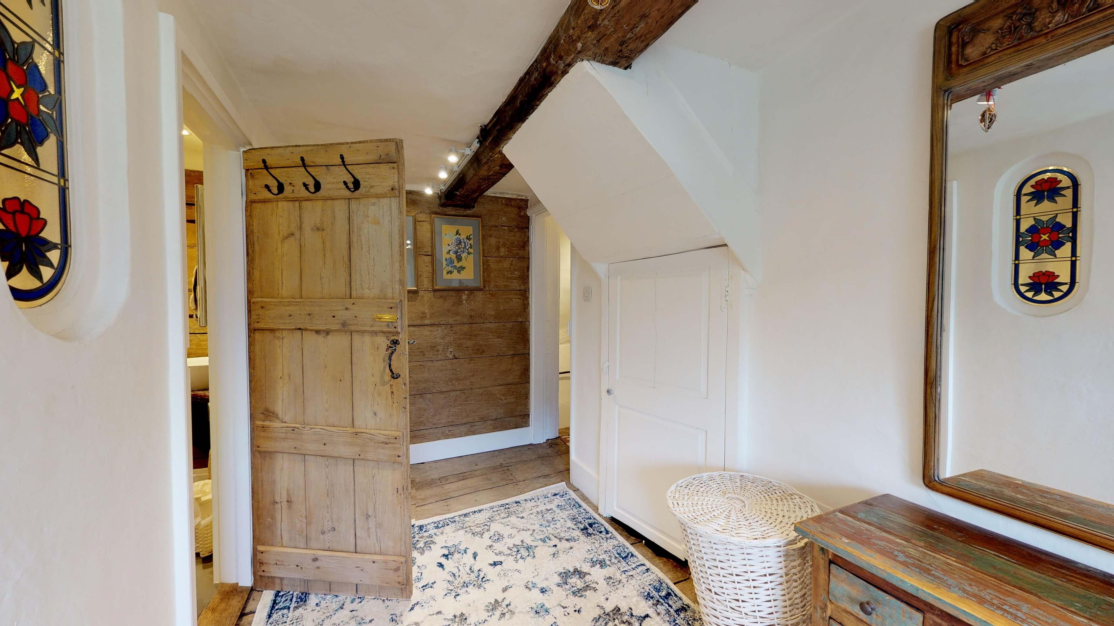 Thrupp Cottage Hall Way