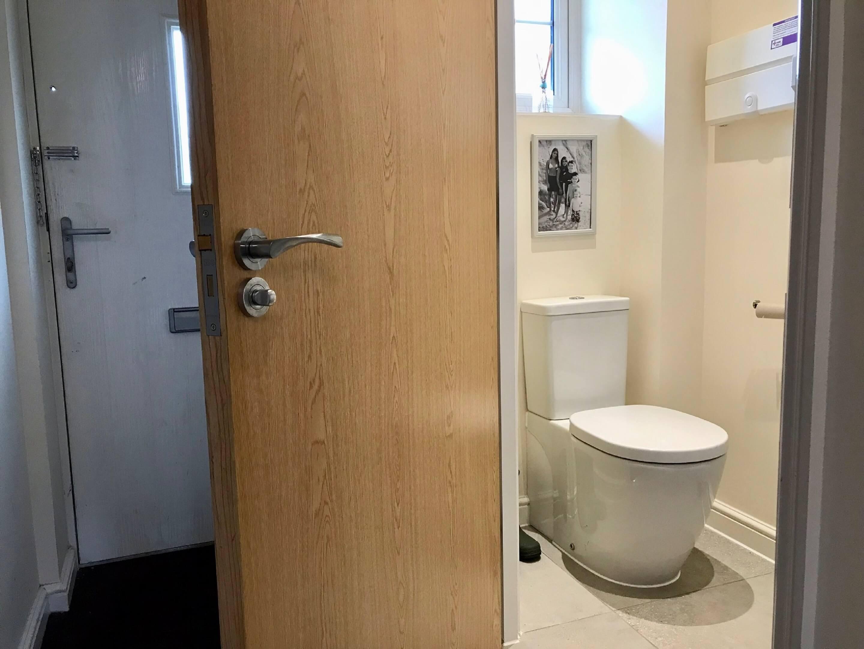 Blackberryway Toilet