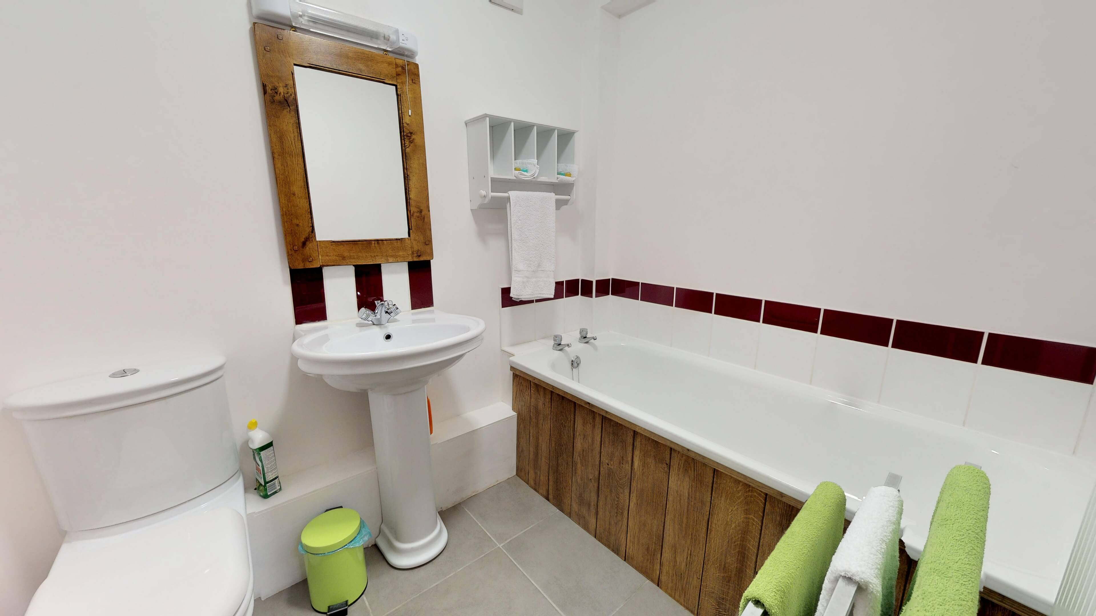 Buffs Lodge Bathroom One