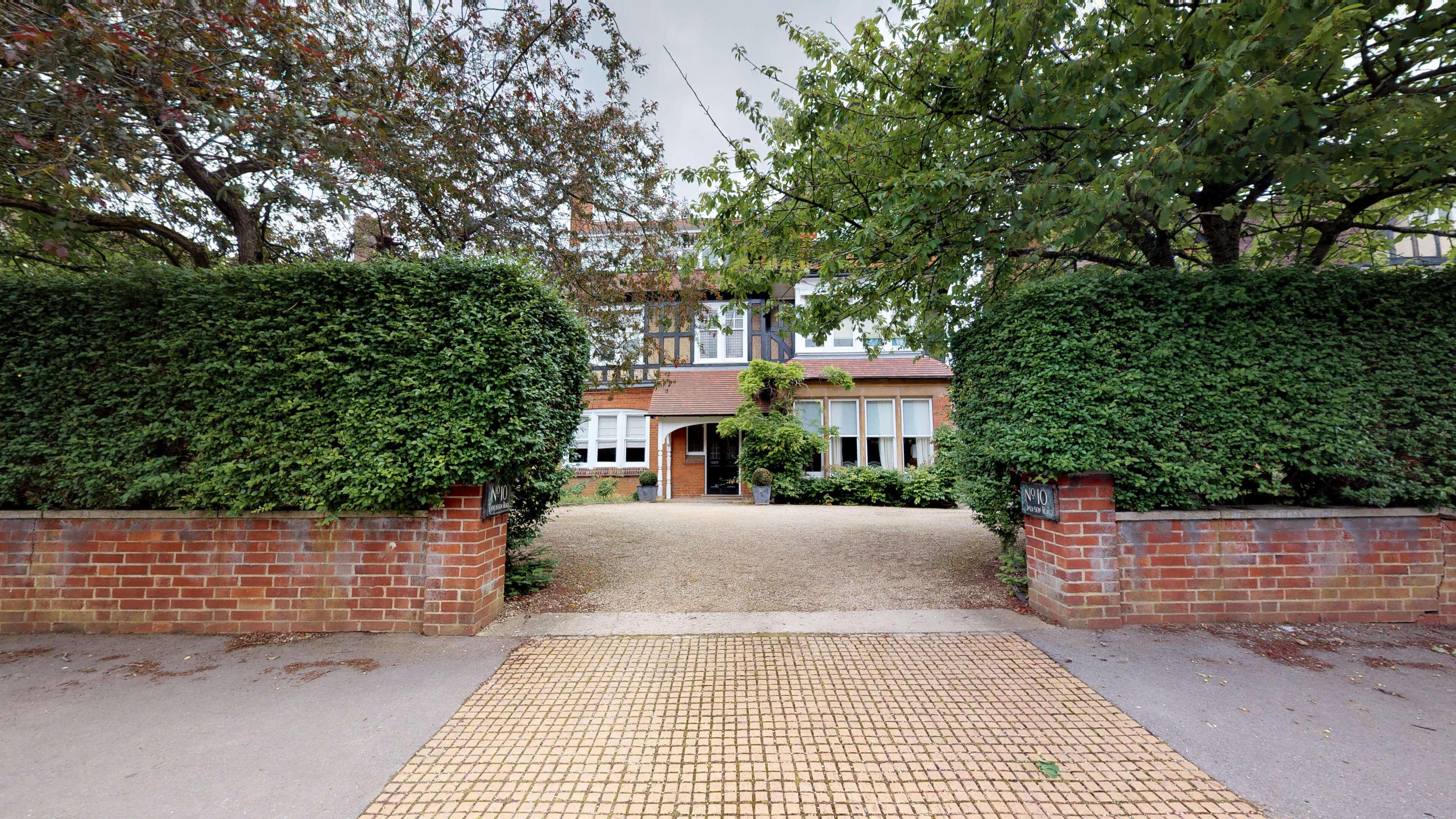 Rawlinson Road Garden Suite 06272019 082601