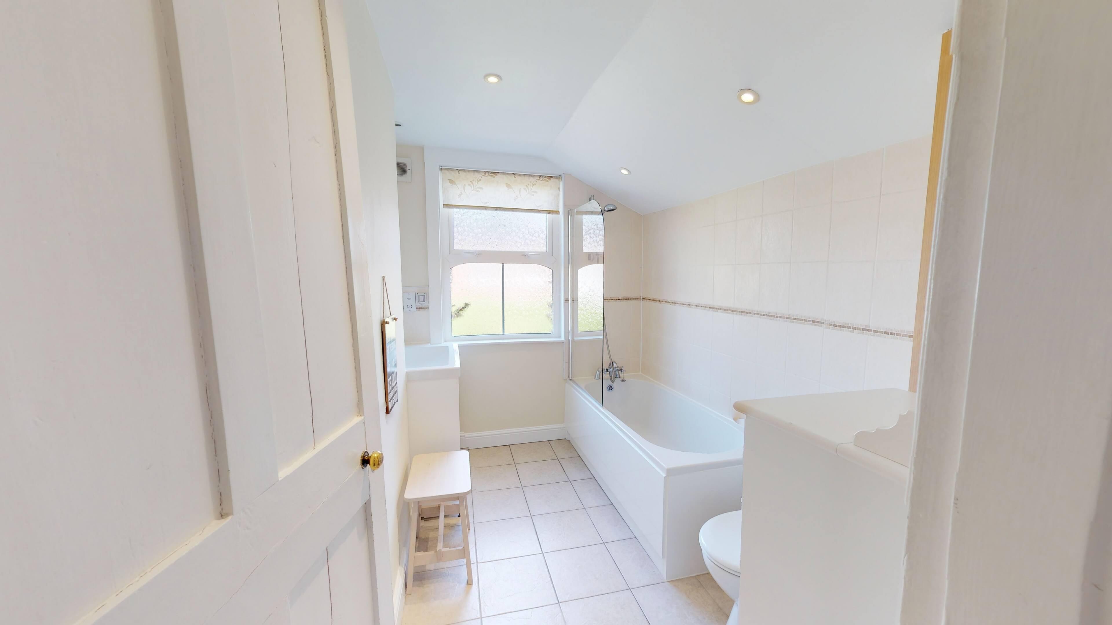 Gordon Street Bathroom