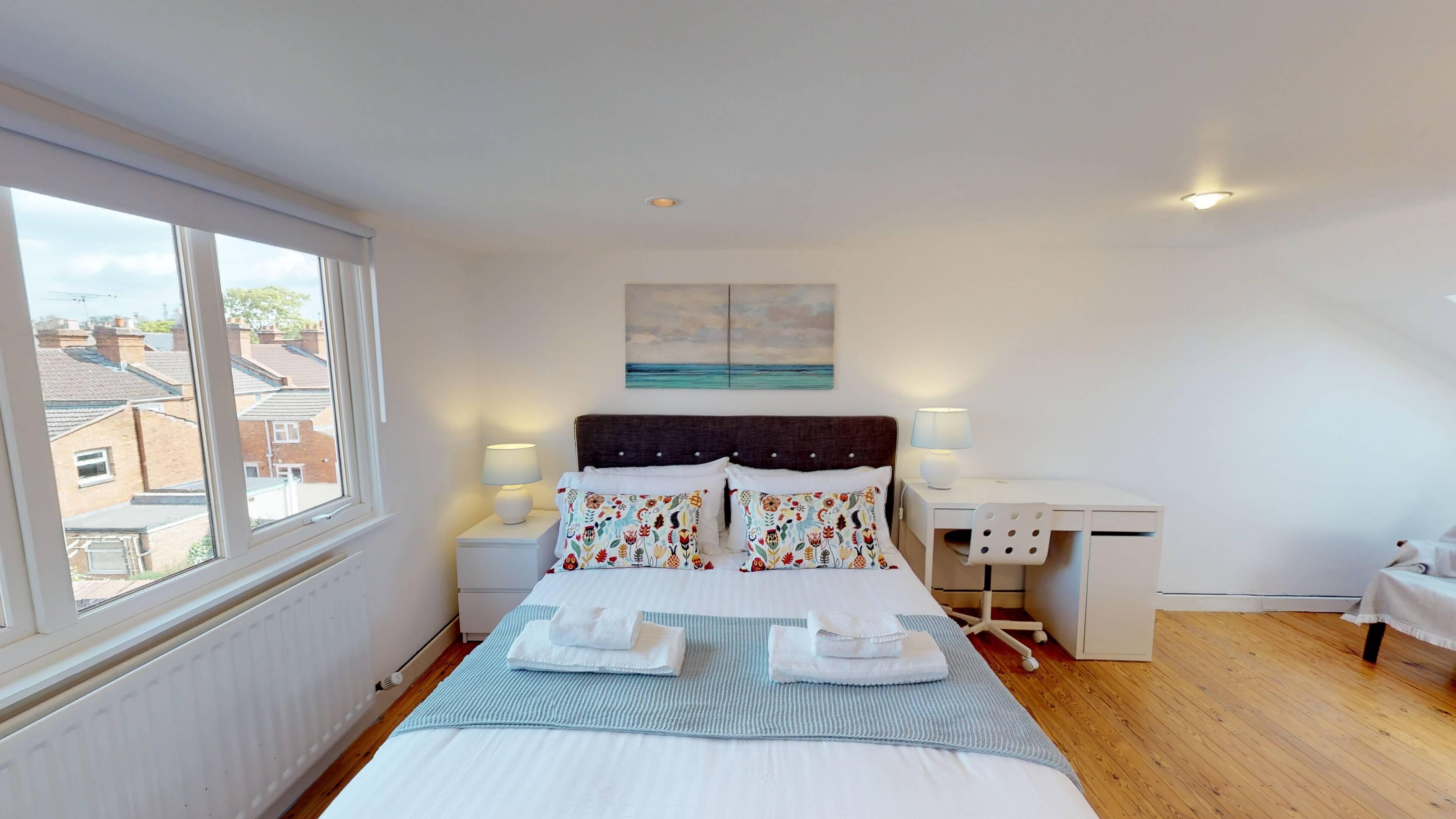 Gordon Street Bedroom22