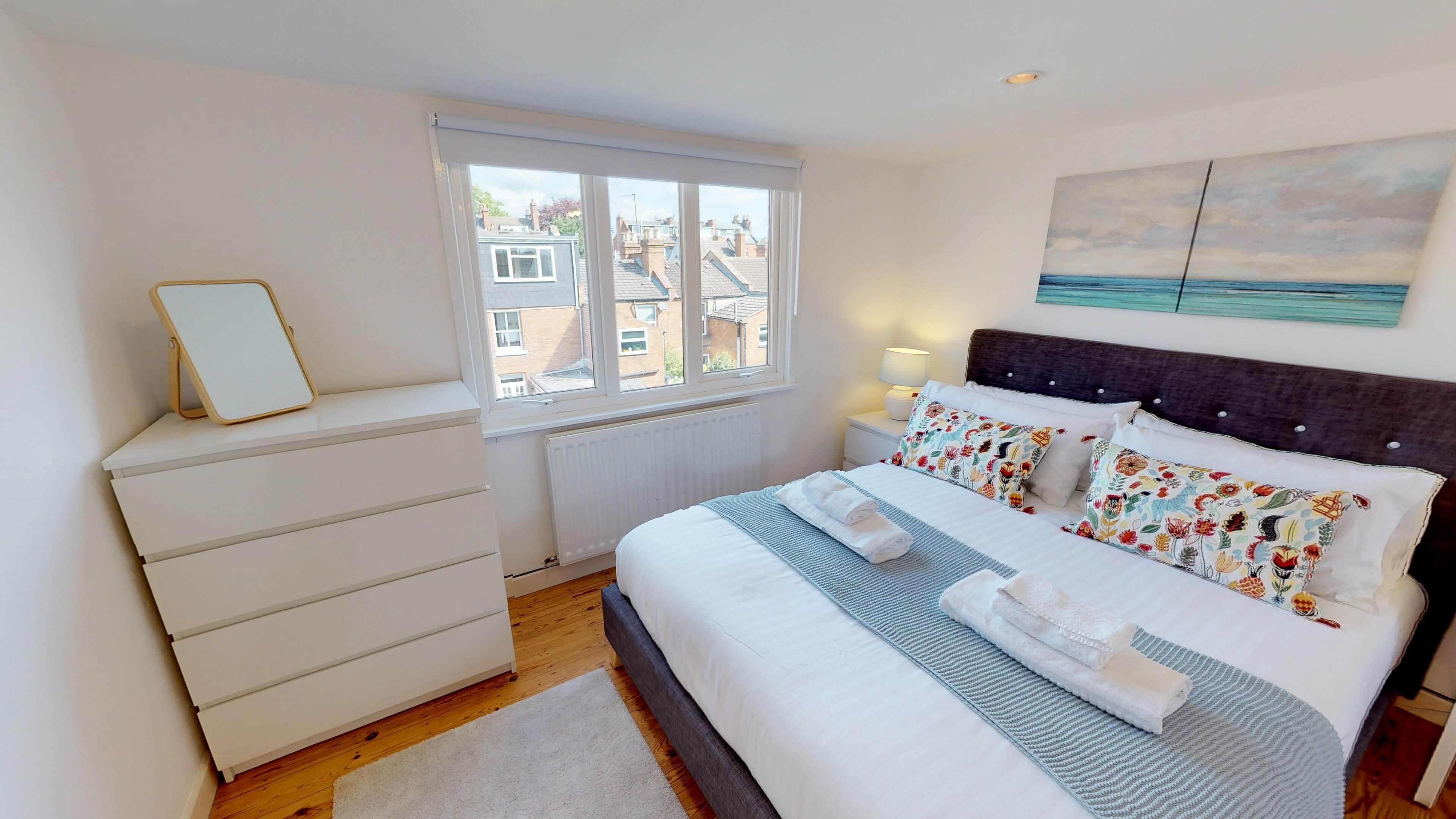 Gordon Street Bedroom2