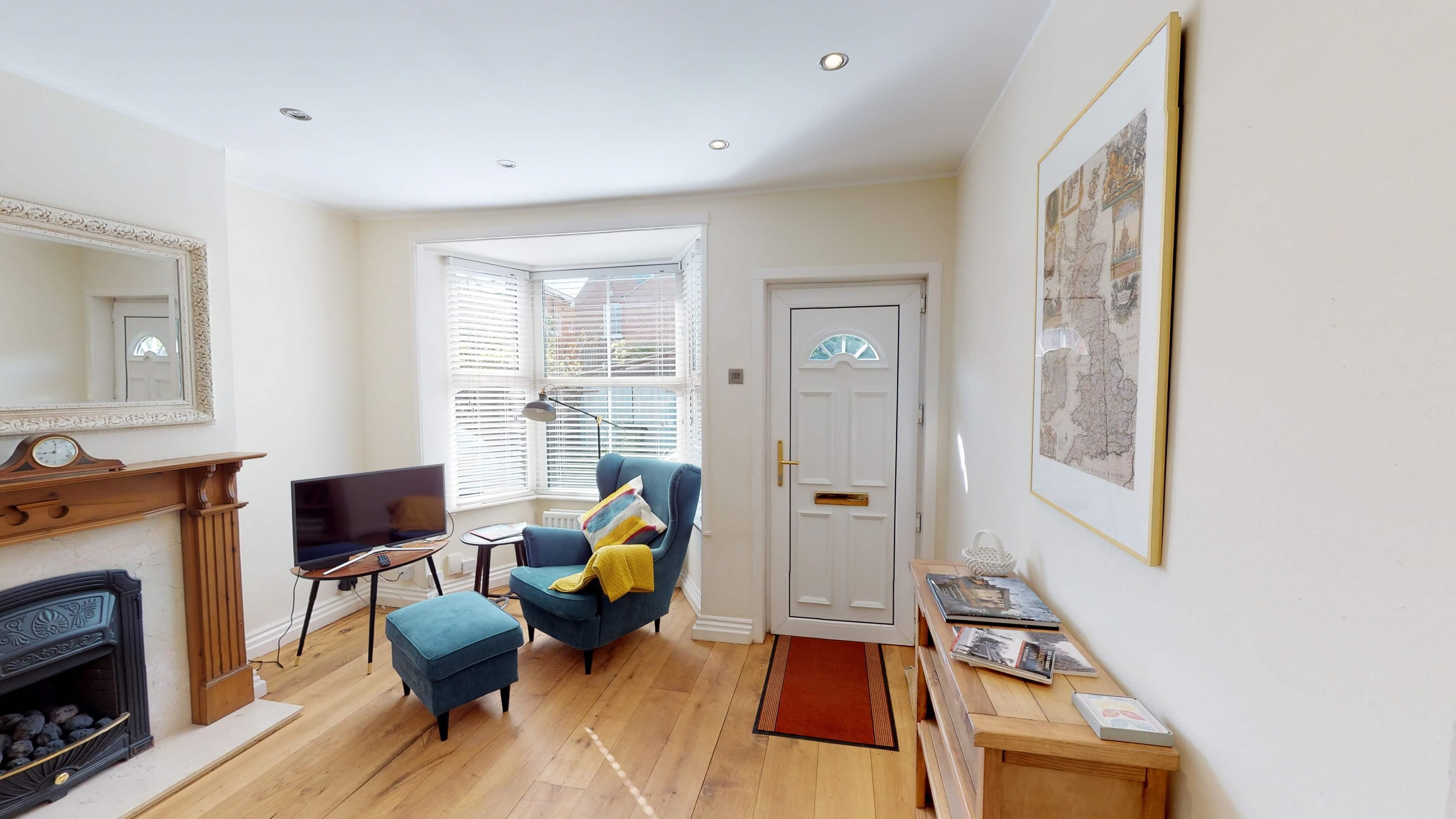 Gordon Street Living Room3