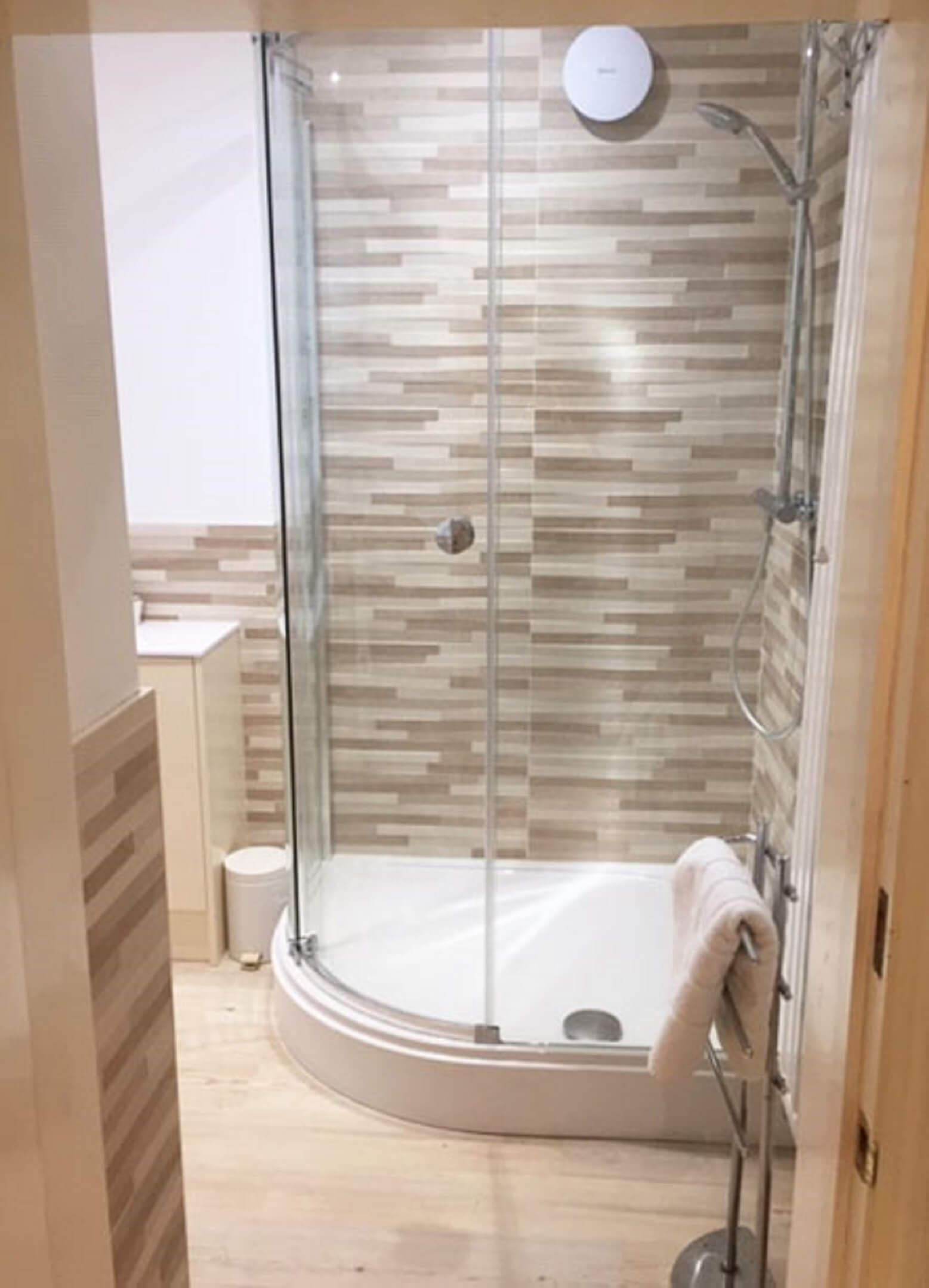 Binswood Avenue Shower