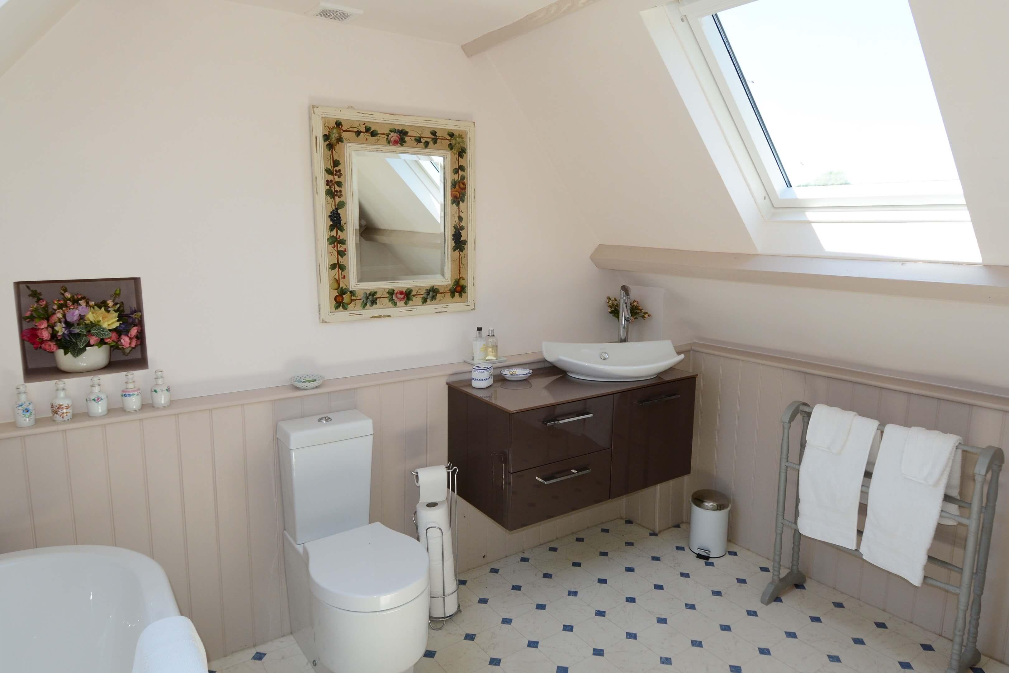 Gardners Cottage Bathroom2