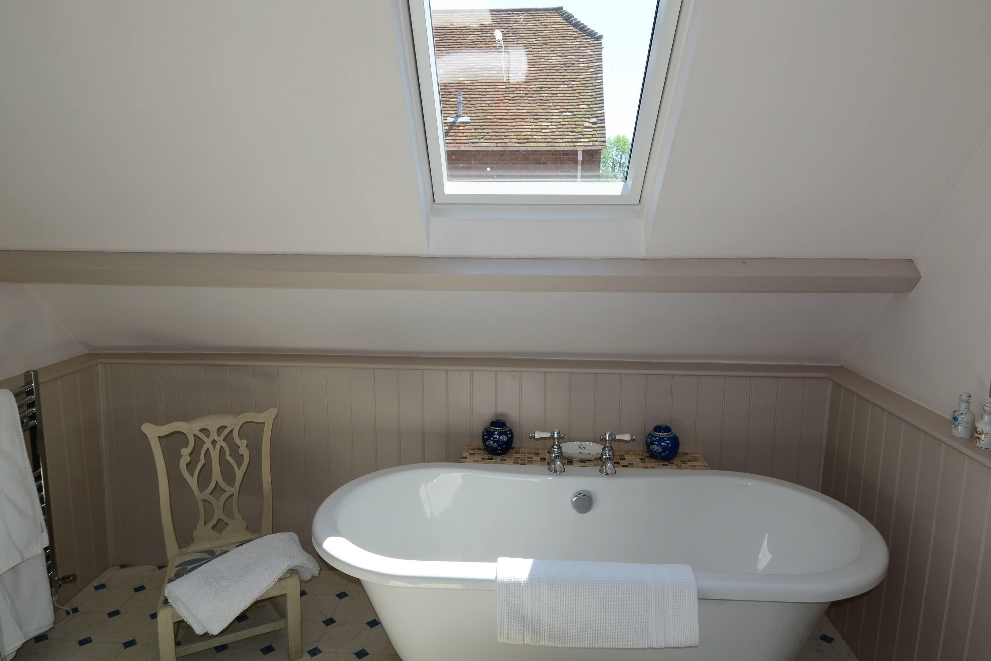 Gardners Cottage Bath Tub