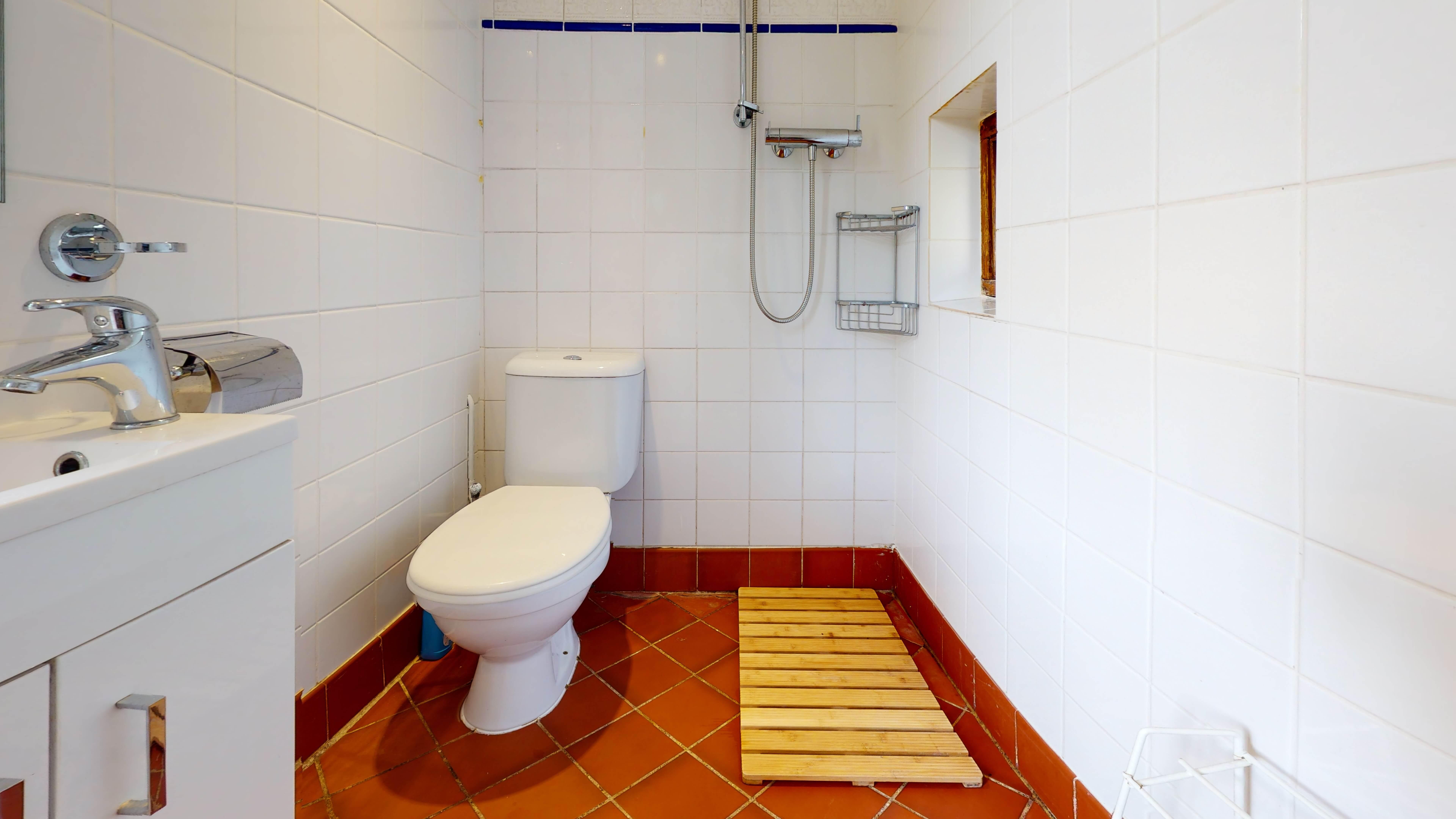 Oxford Bothy80a Bathroom