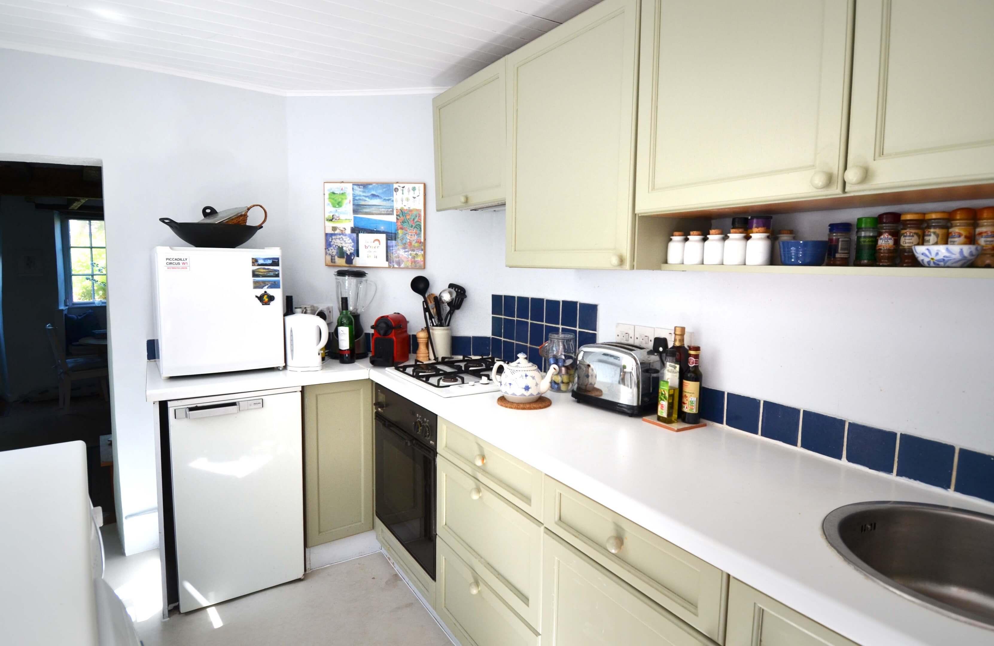 Thewhitecottage Kitchen2