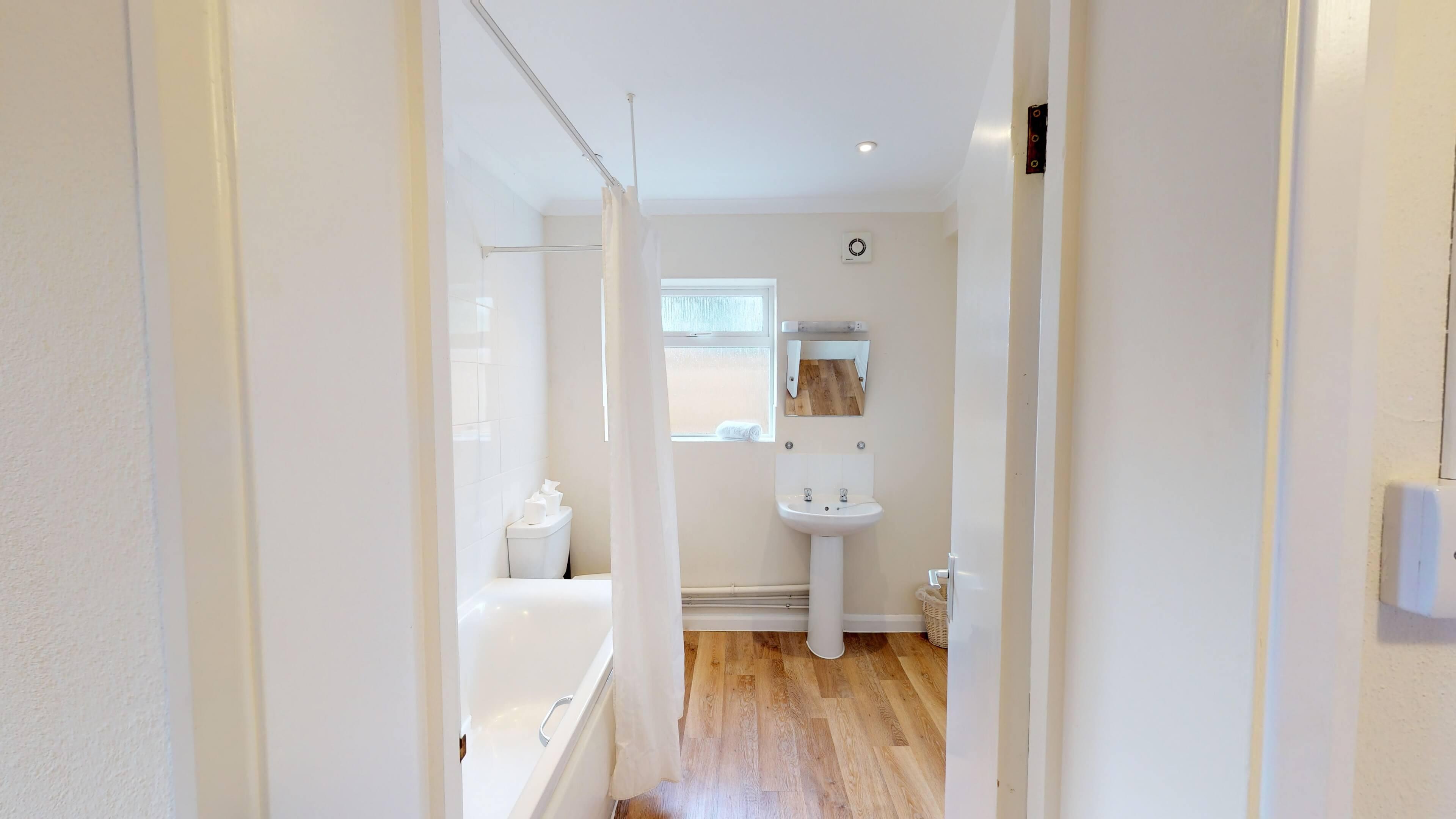 Lashford Lane Bathroom