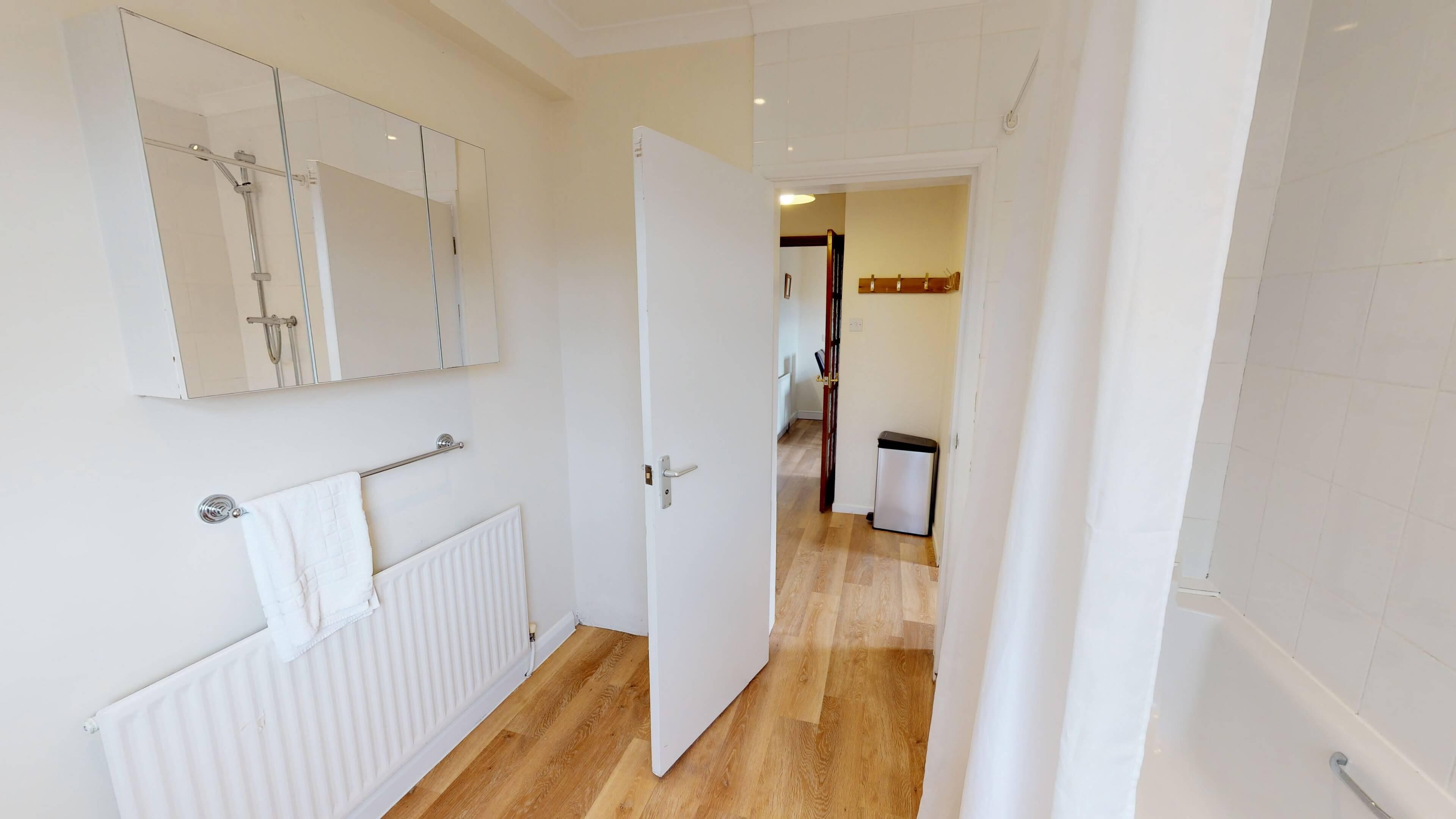 Lashford Lane Bathroom2